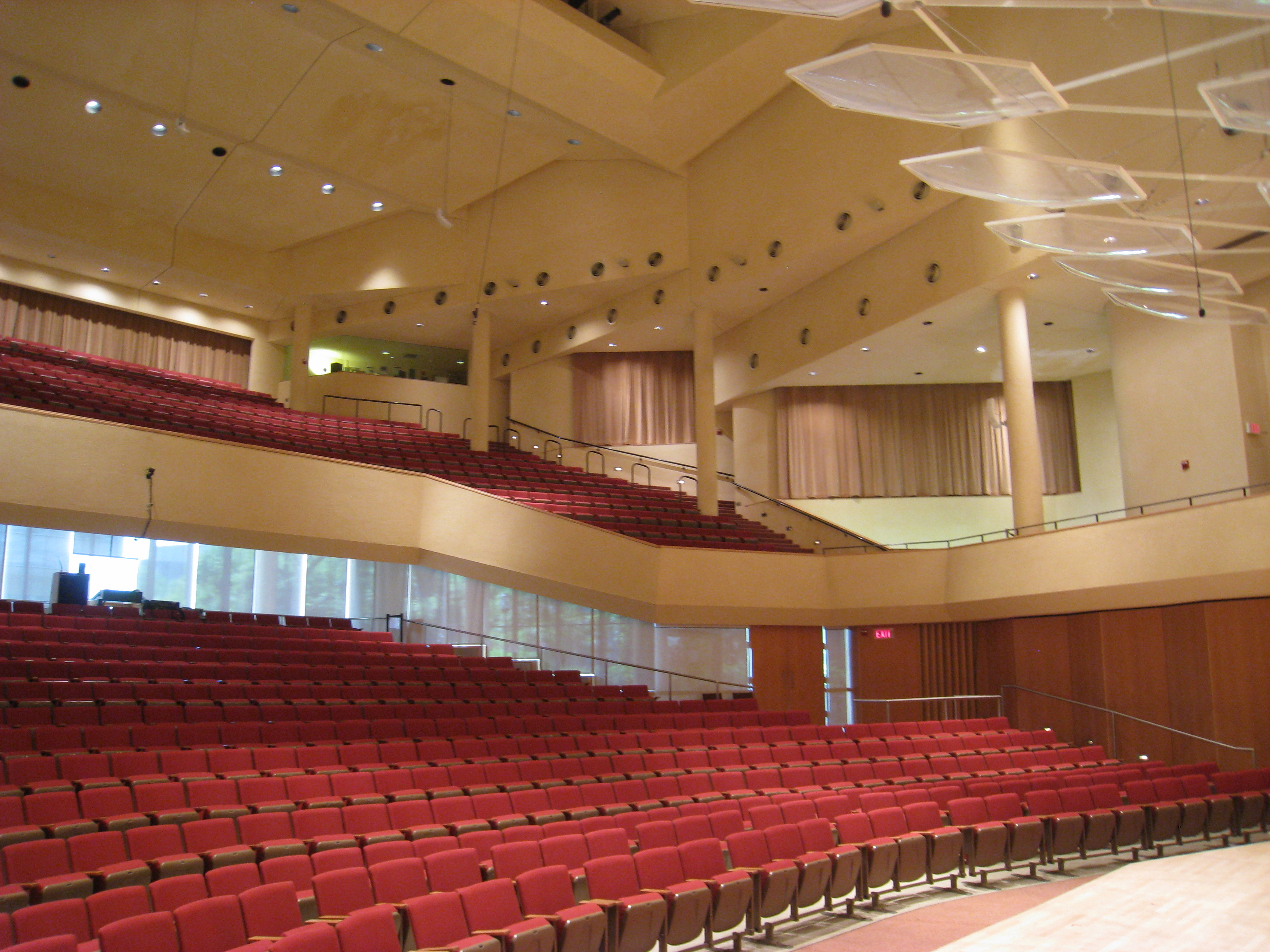 File pick staiger concert hall northwestern university for Hall interior images