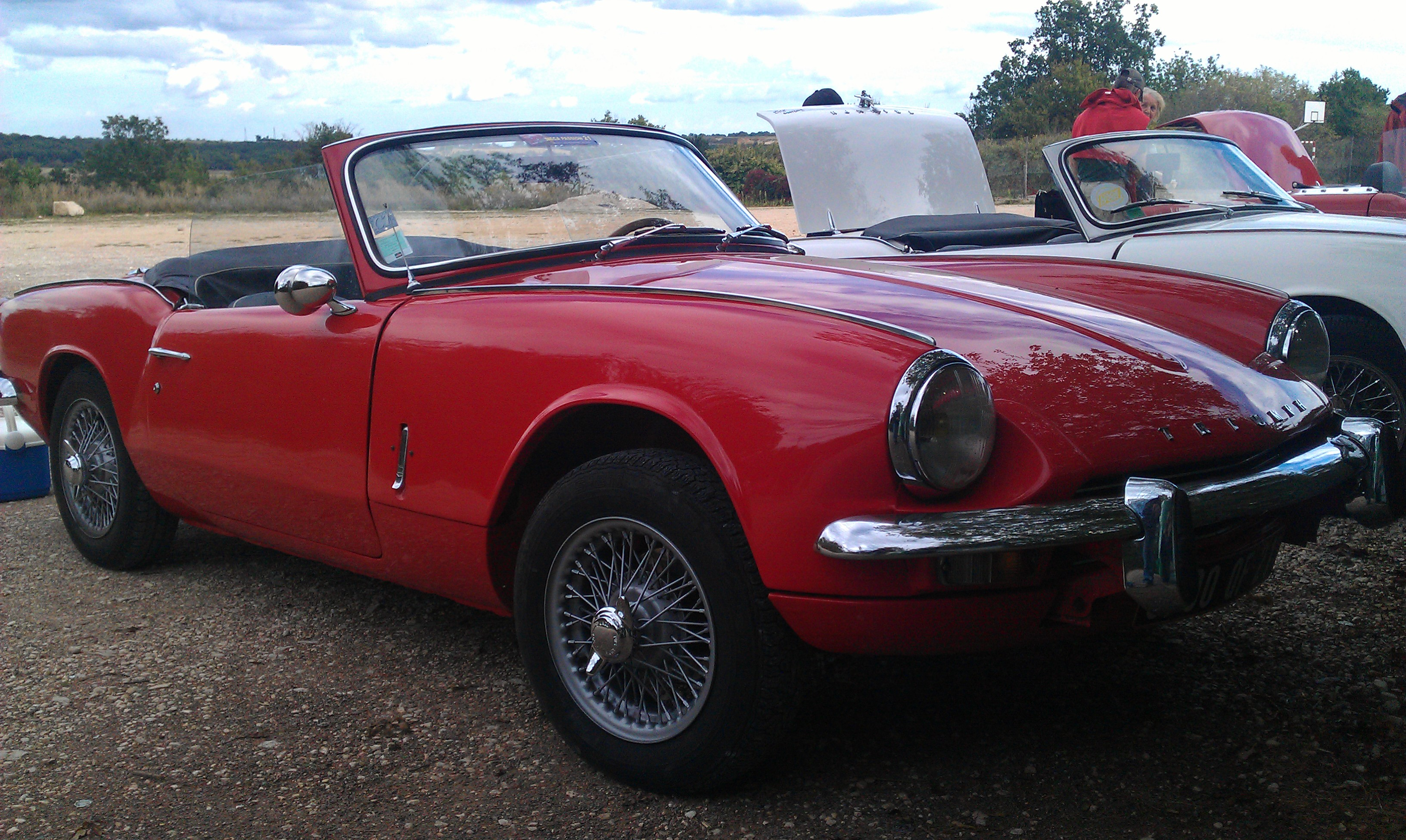 file red triumph spitfire mk3 with wire wheels front three wikimedia commons. Black Bedroom Furniture Sets. Home Design Ideas