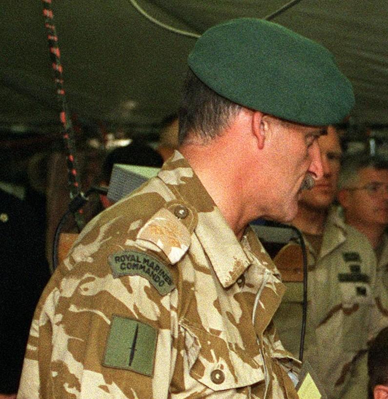 File:Royal Marine Commando wearing his green beret.jpg ...