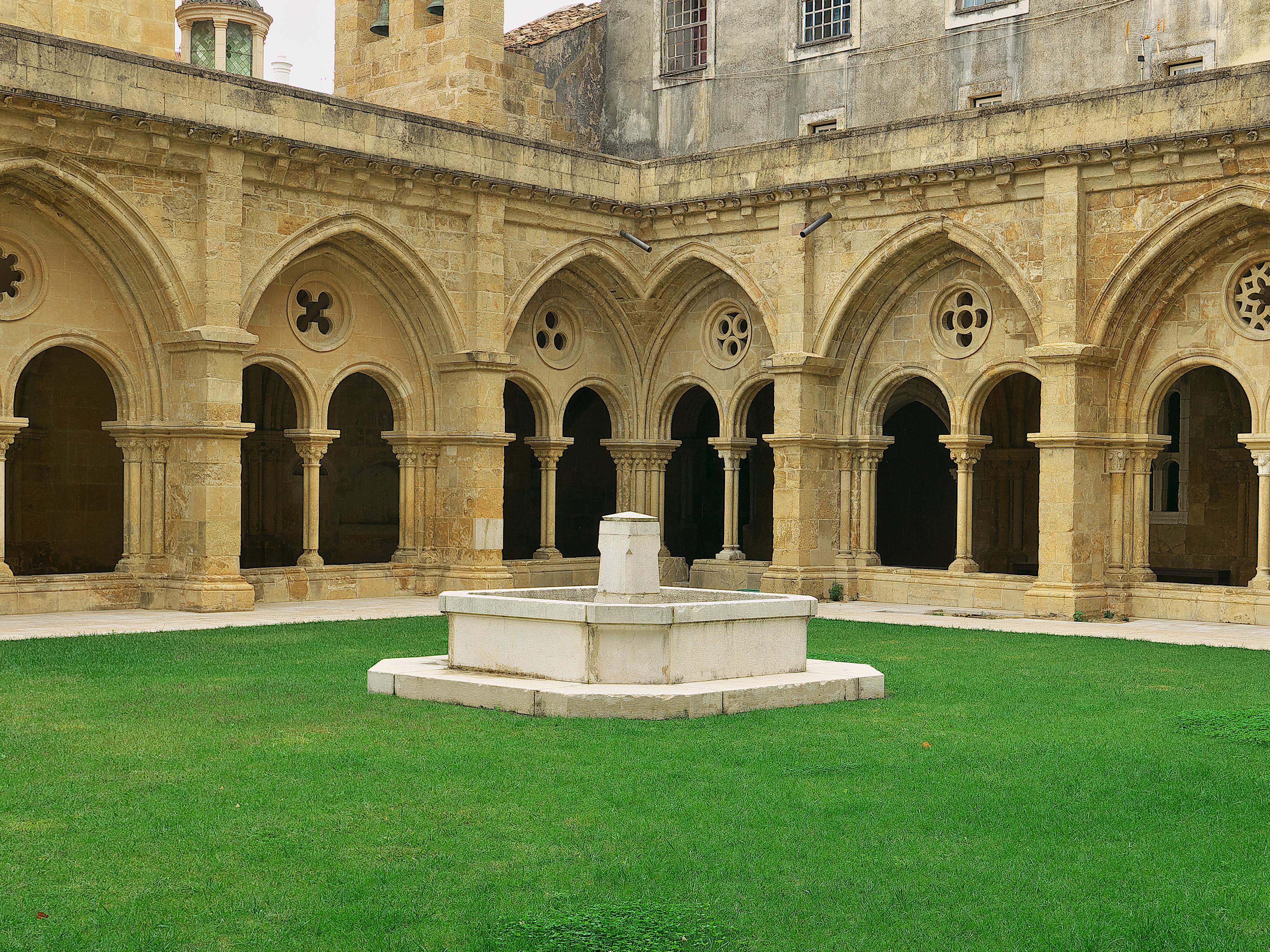 Small Church Organizational Chart: Portuguese Romanesque architecture - Wikipedia,Chart