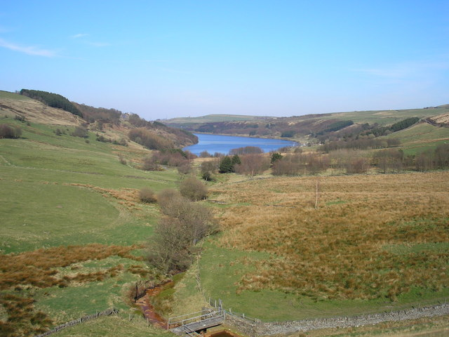 Scammonden Water - geograph.org.uk - 388832