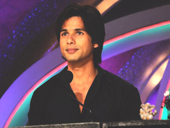 Shahid Kapoor on the sets of Just Dance