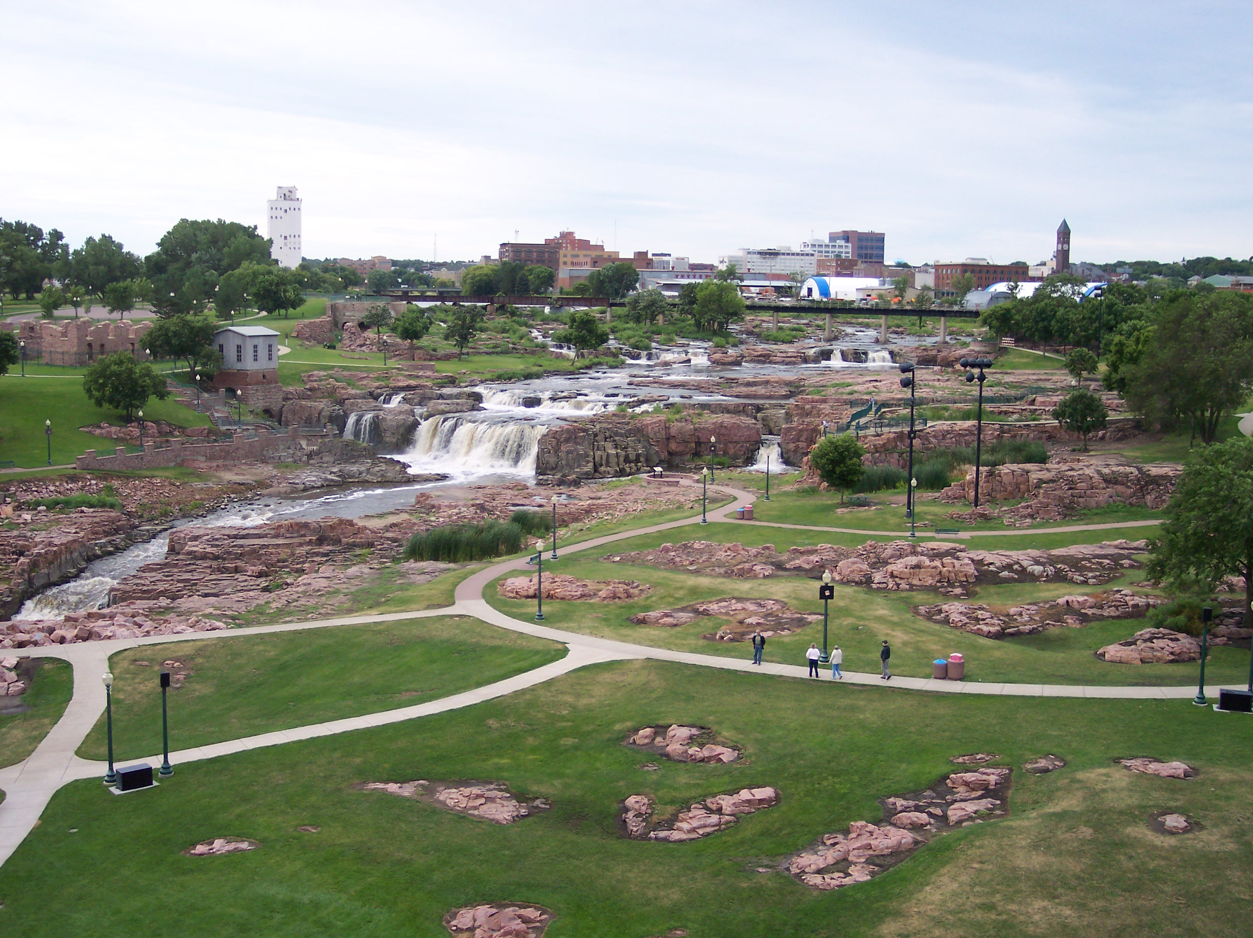 dating services in sioux falls sd Sioux falls social singles group for singles 40+ sioux falls social singles - about us we provide social activities and a welcoming atmosphere for singles over 40.