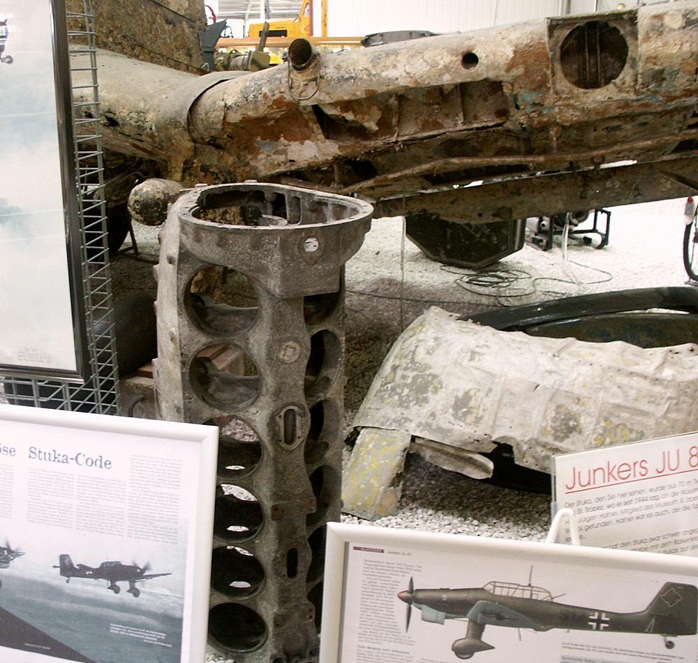 File:Stuka engine and wing.JPG - Wikimedia Commons