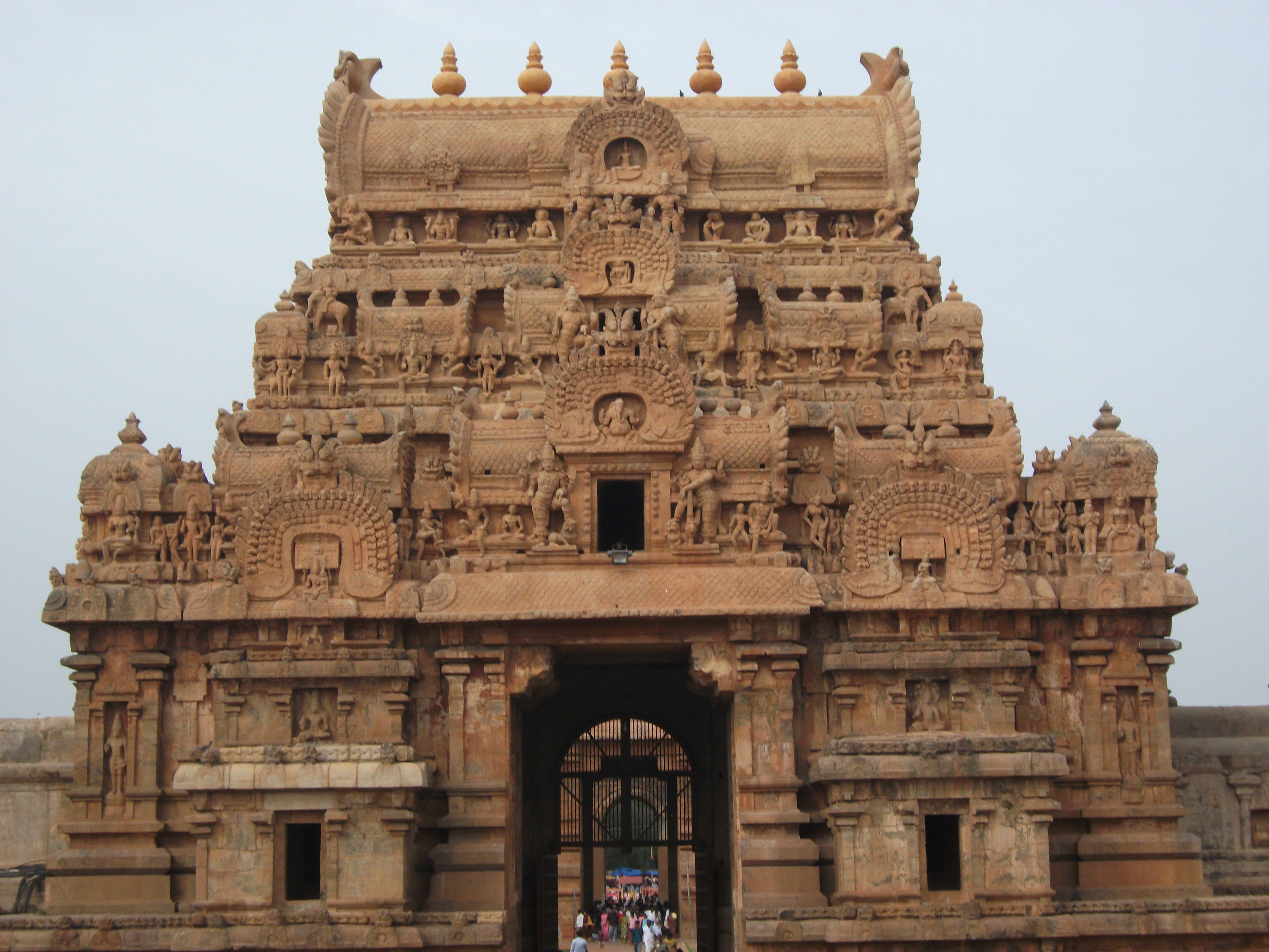 description tanjore temple   great living chola temple india jpg