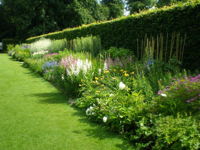 The herbaceous border at Anglesey Abbey - geograph.org.uk - 847268