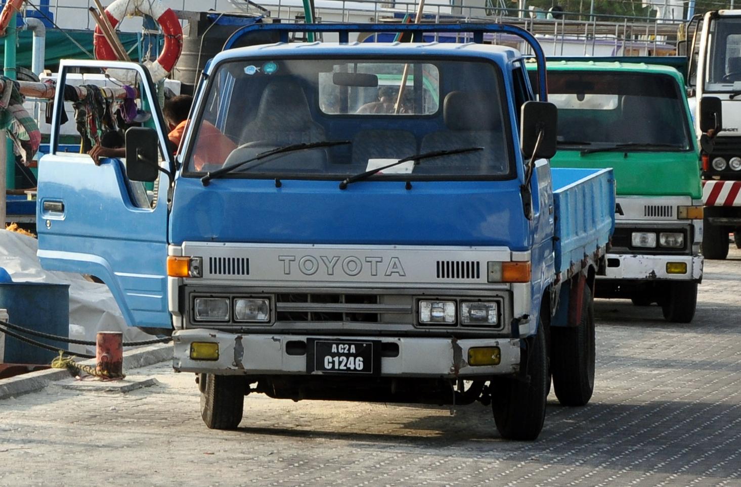 File Toyota Dyna In Mal 233 Jpg Wikimedia Commons