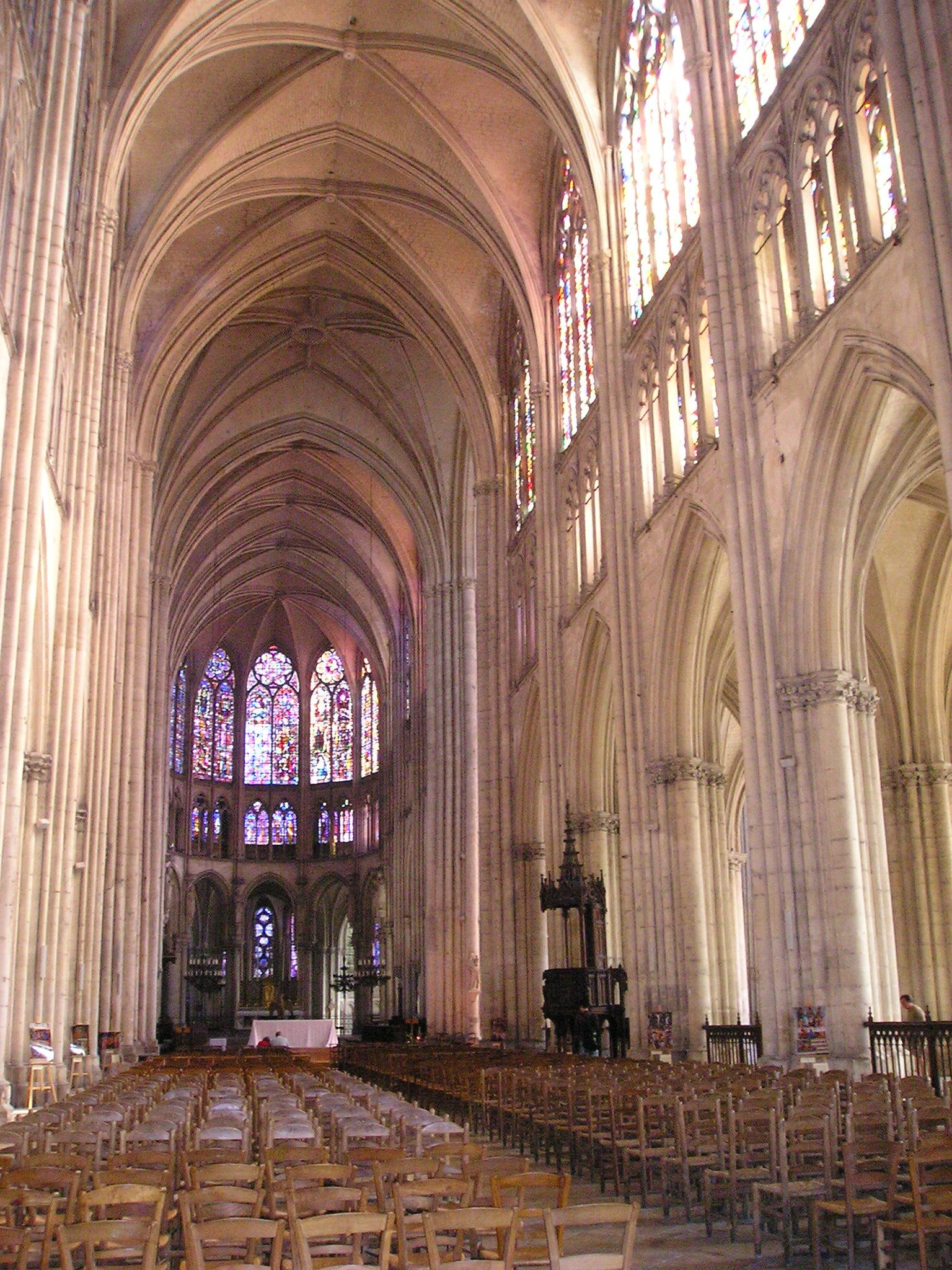 Bon Dimanche Troyes_Cath%C3%A9drale_Saint-Pierre_et_Saint-Paul