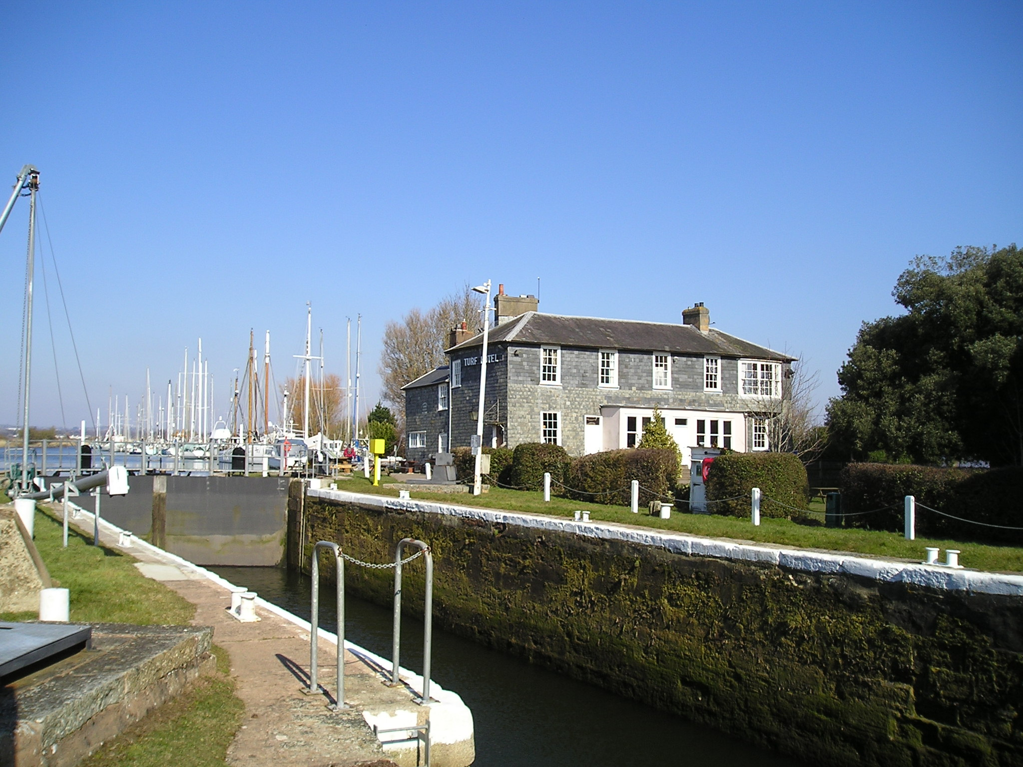 Turf Hotel, Exminster, Exeter, on the Exeter Ship Canal - geograph.org.uk - 1744658.jpg