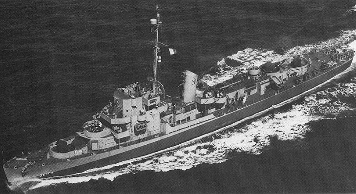 https://upload.wikimedia.org/wikipedia/commons/3/33/USS_Eldridge_%28DE-173%29_underway%2C_circa_in_1944.jpg