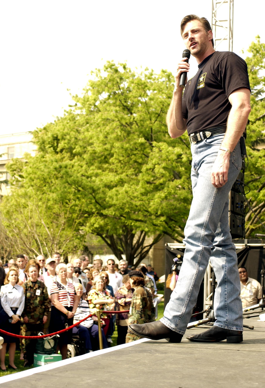 Darryl worley country singer
