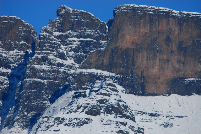 Ukhahlamba Drakensburg Cliffs