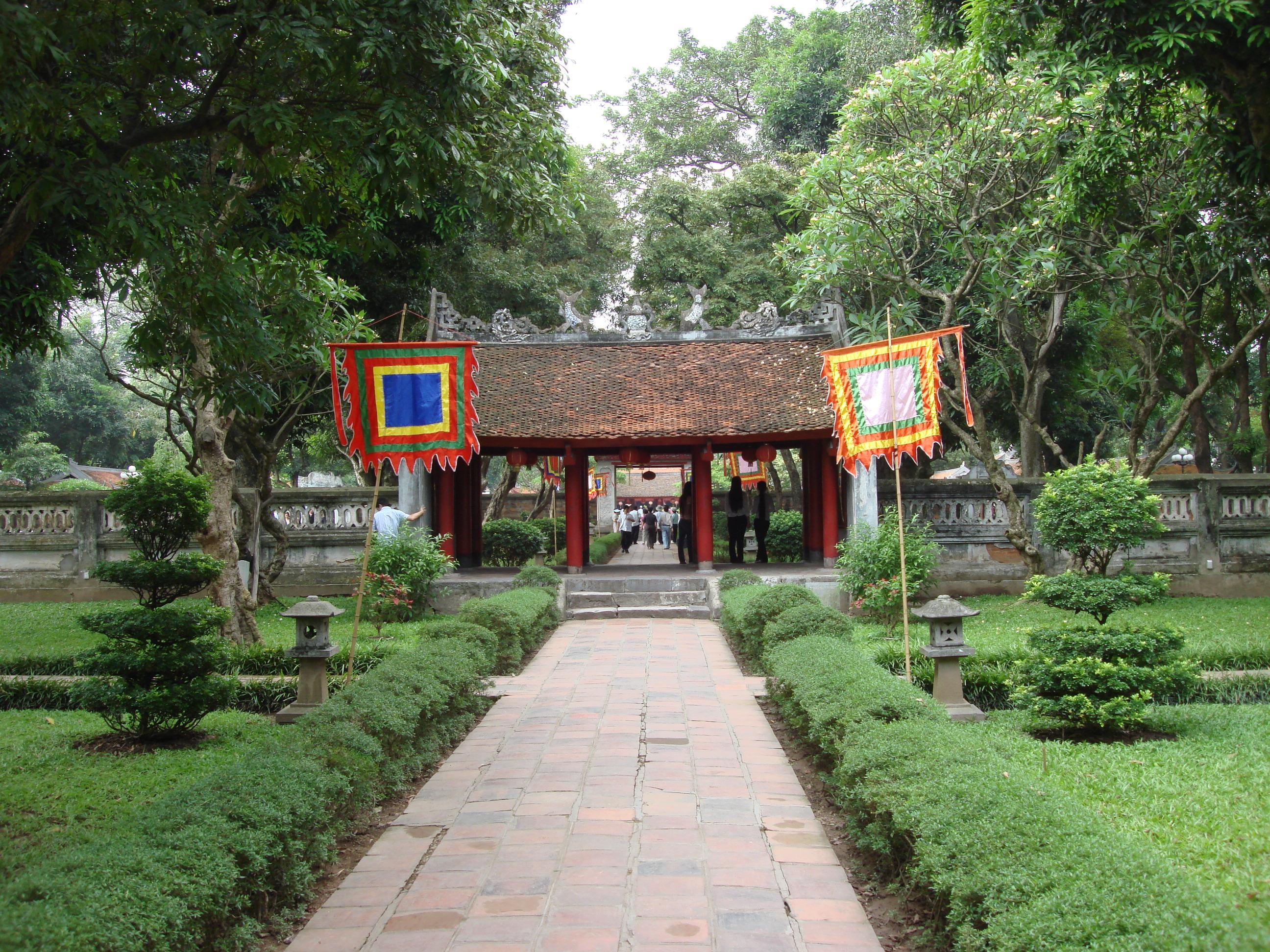 FileVan Mieu Hanoi 4550352543 7f085eeb24 T