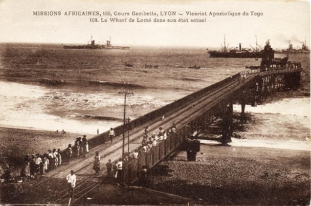 File:Wharf de Lomé.jpg