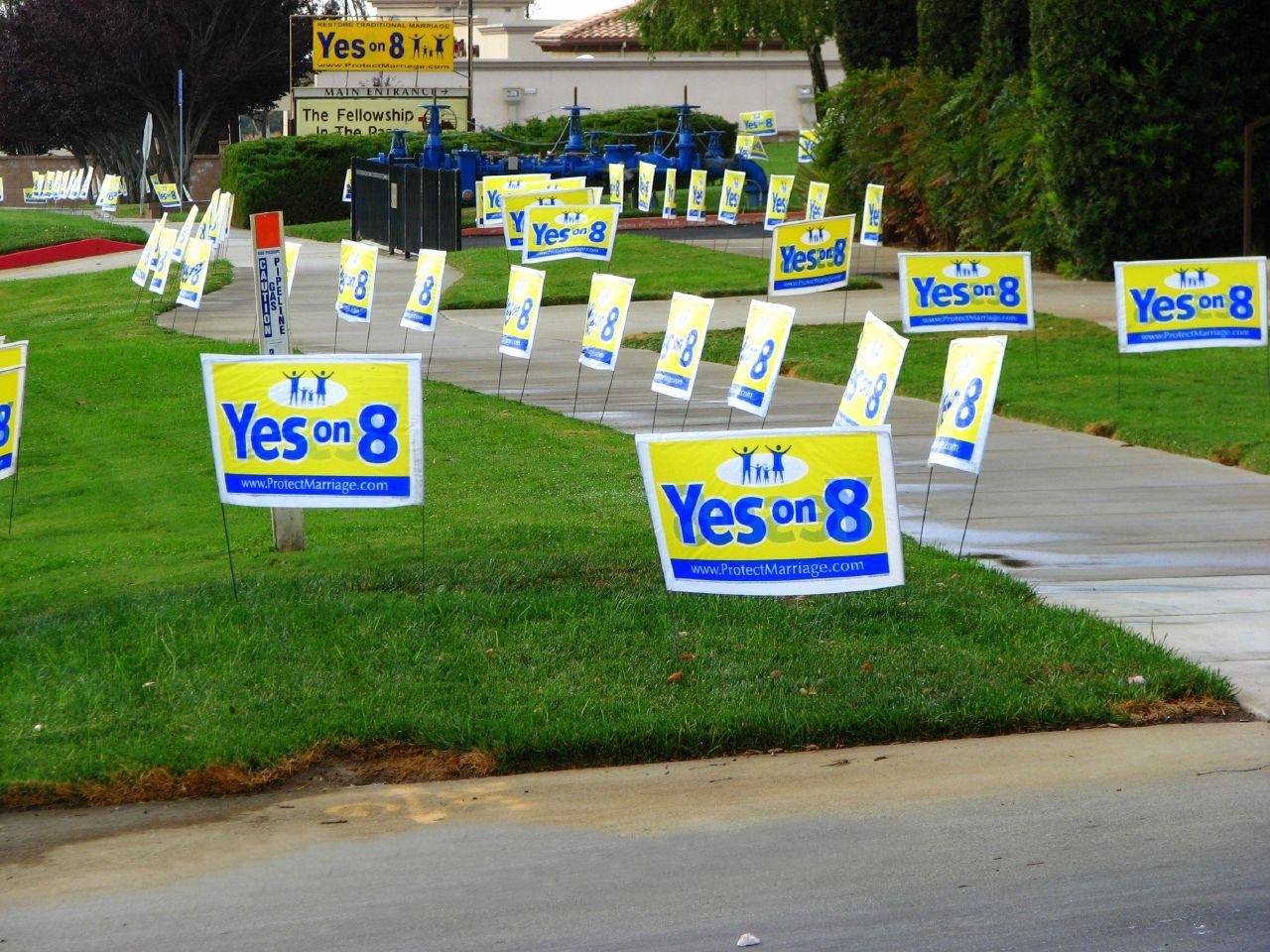 """Yes on 8"" lawn signs in California, 2008."