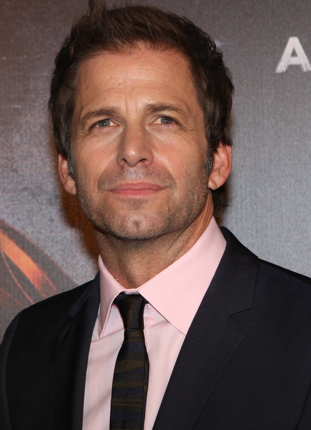 The 52-year old son of father Charles Edward Snyder and mother Marsha Snyder, 170 cm tall Zack Snyder in 2018 photo
