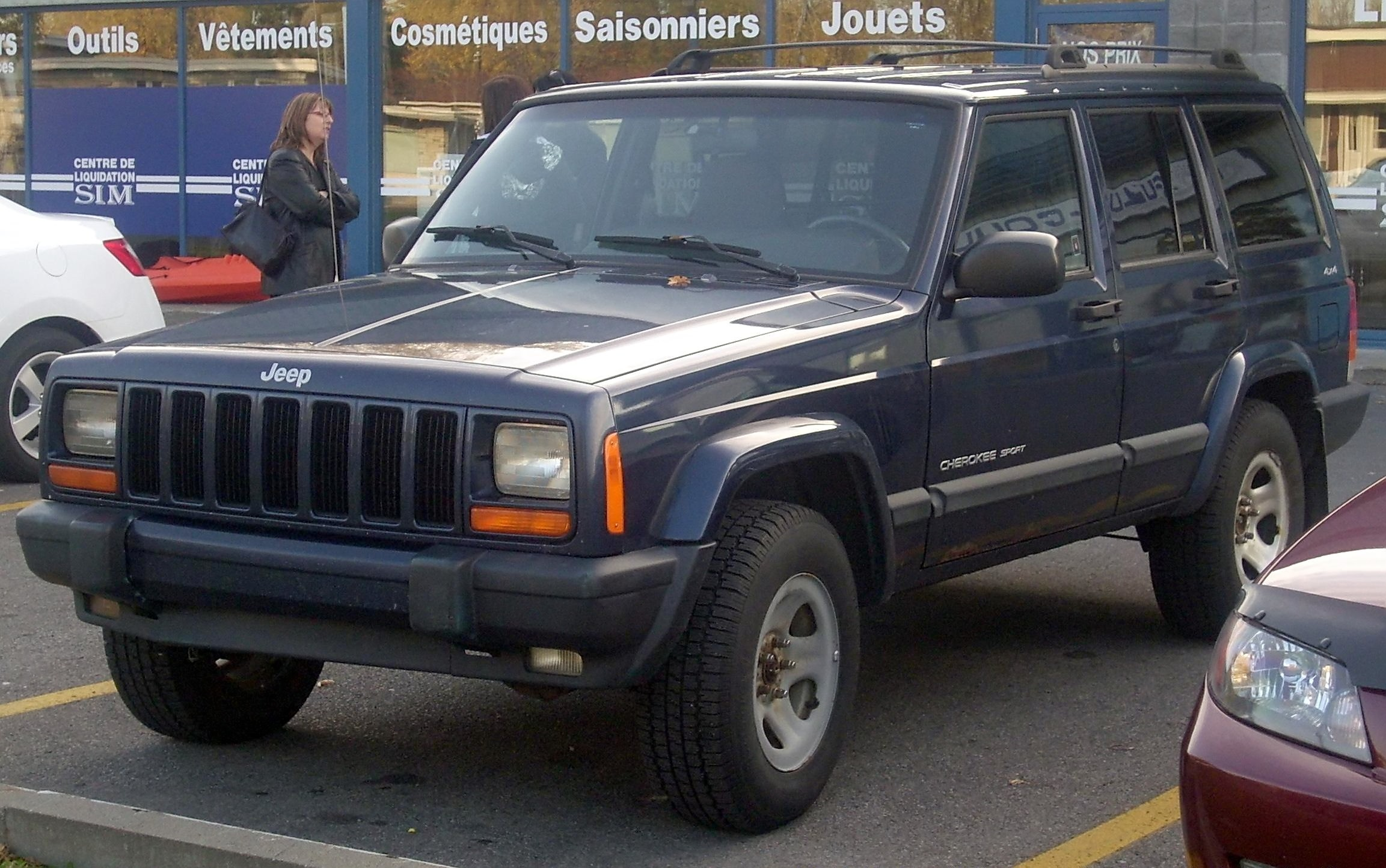 File:'00-'01 Jeep Cherokee Sport 4-Door.JPG - Wikimedia Commons