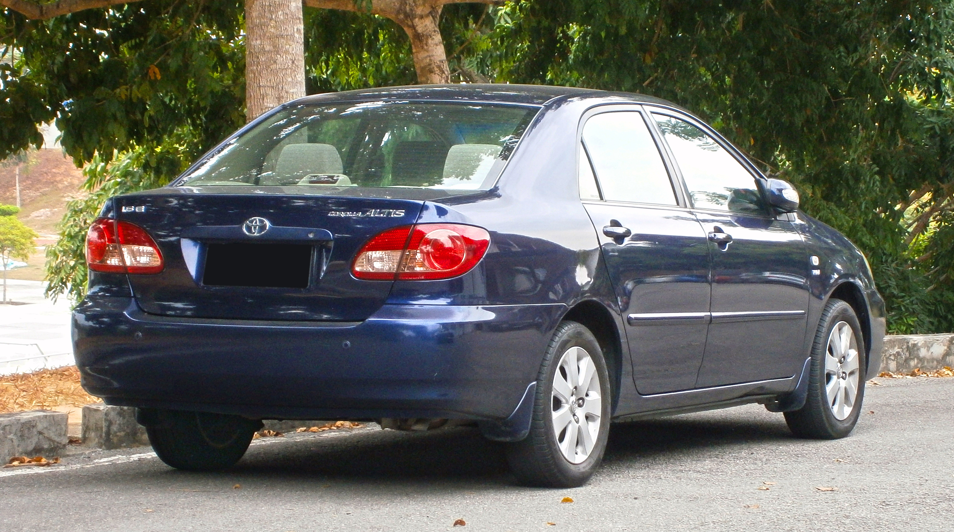 File:2005 Toyota Corolla Altis 1.6E in Cyberjaya, Malaysia ...