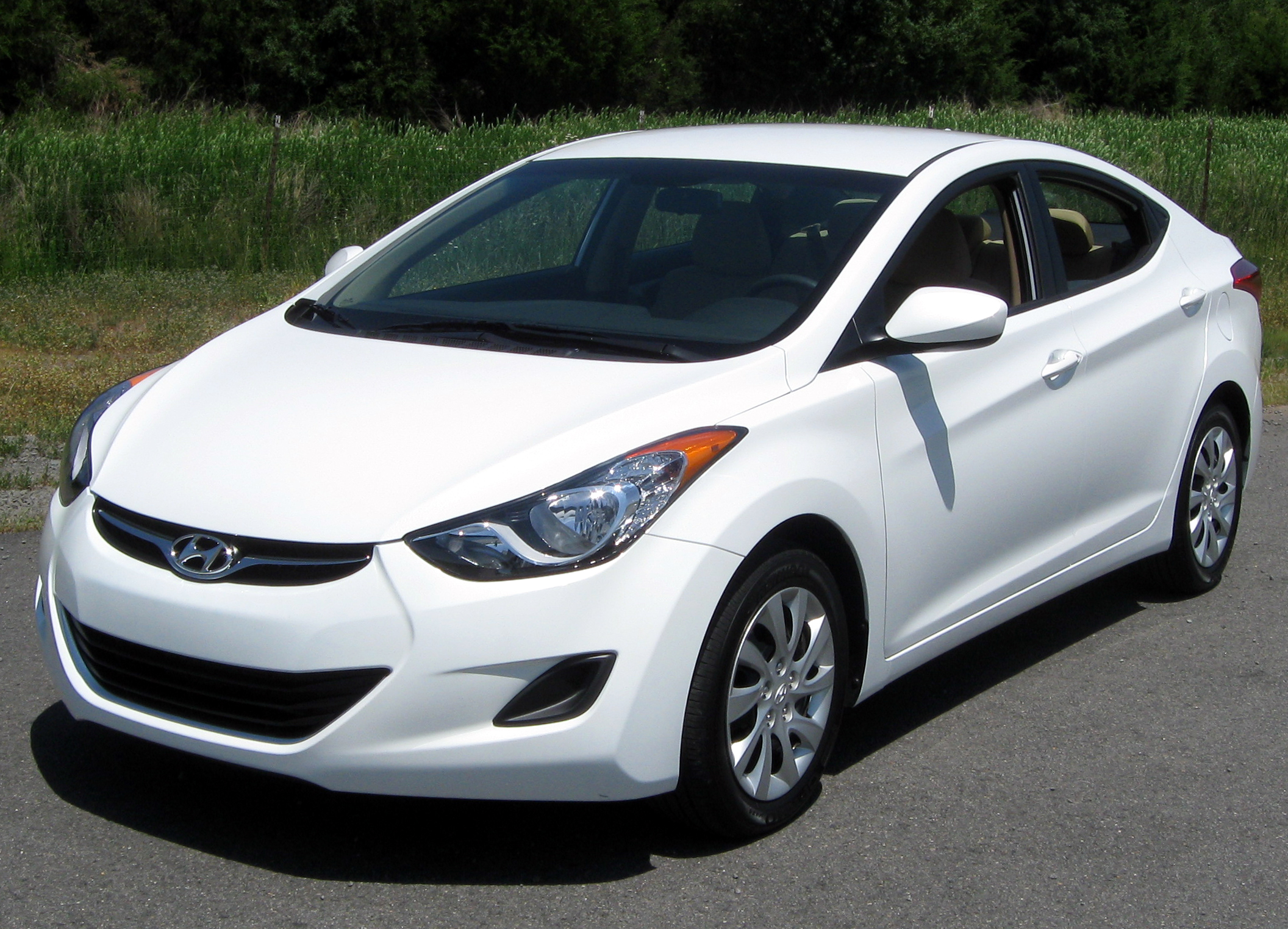 2018 Hyundai Accent Preview >> File:2011 Hyundai Elantra GLS -- 06-02-2011 2.jpg - Wikimedia Commons