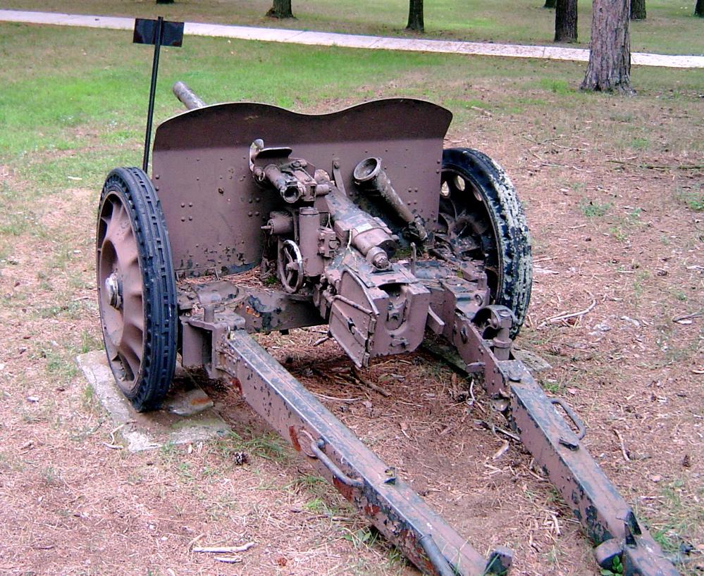 German 50 Mm Anti Tank Gun: File:47mm Hotchkiss Cfb Borden 3.JPG