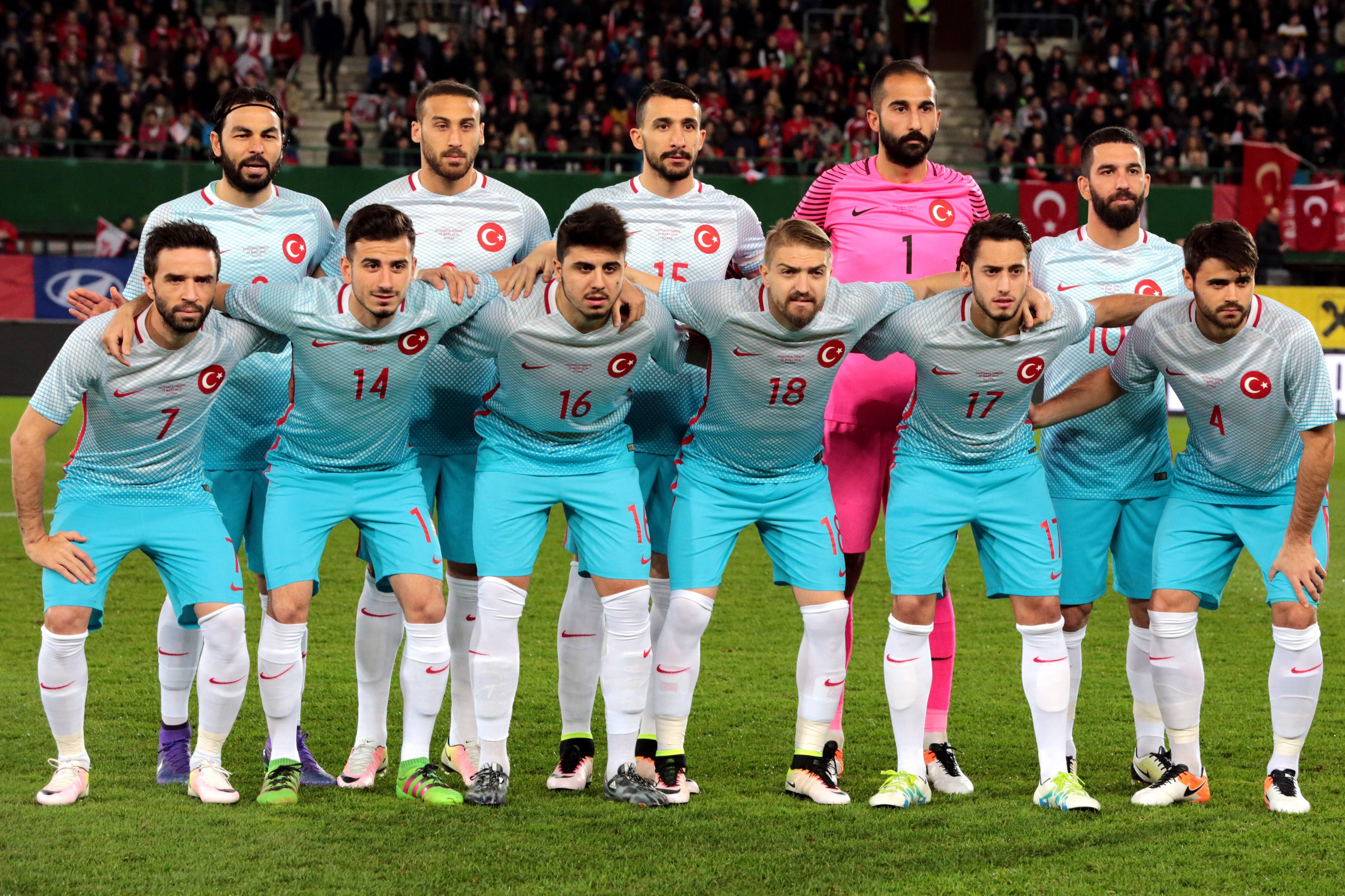 Turkiet kvar pa playoff plats