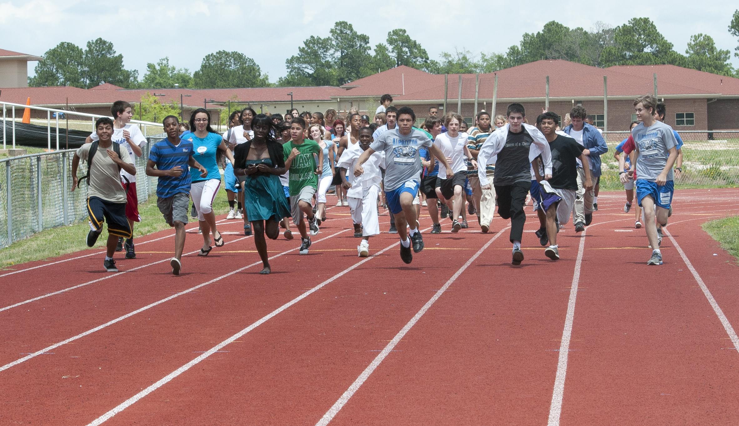 Grade School Running Shoes
