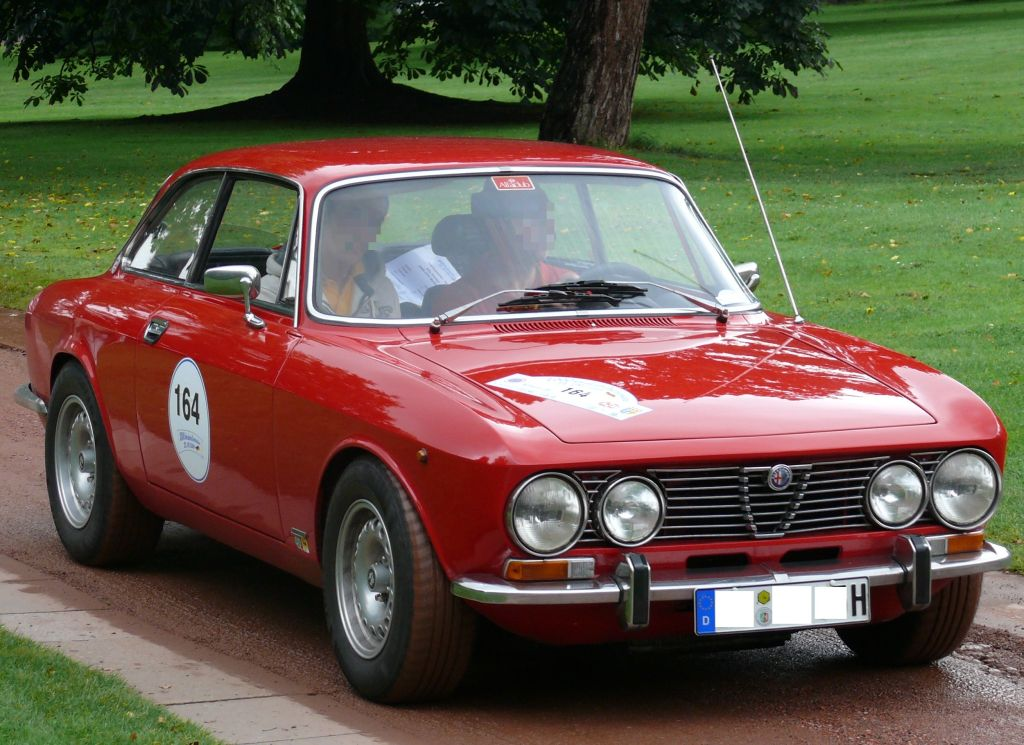 file alfa romeo 2000 gtv bertone red wikipedia. Black Bedroom Furniture Sets. Home Design Ideas