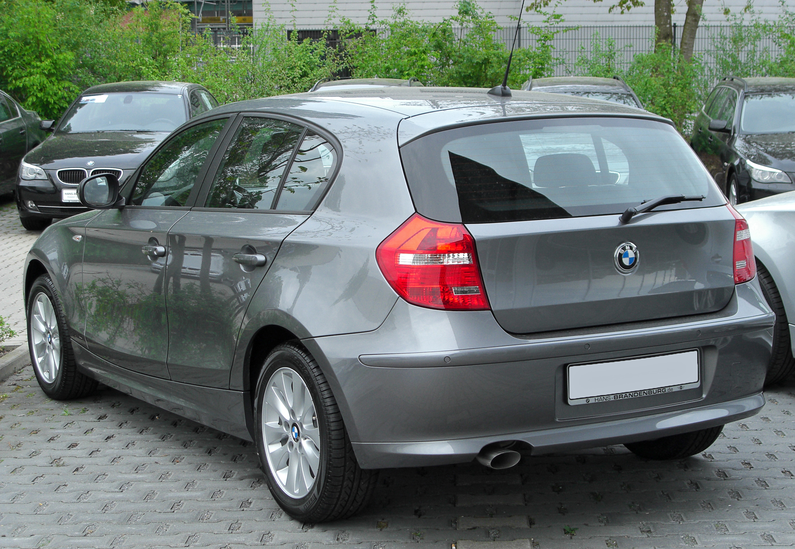 file bmw 1er facelift rear wikimedia commons. Black Bedroom Furniture Sets. Home Design Ideas