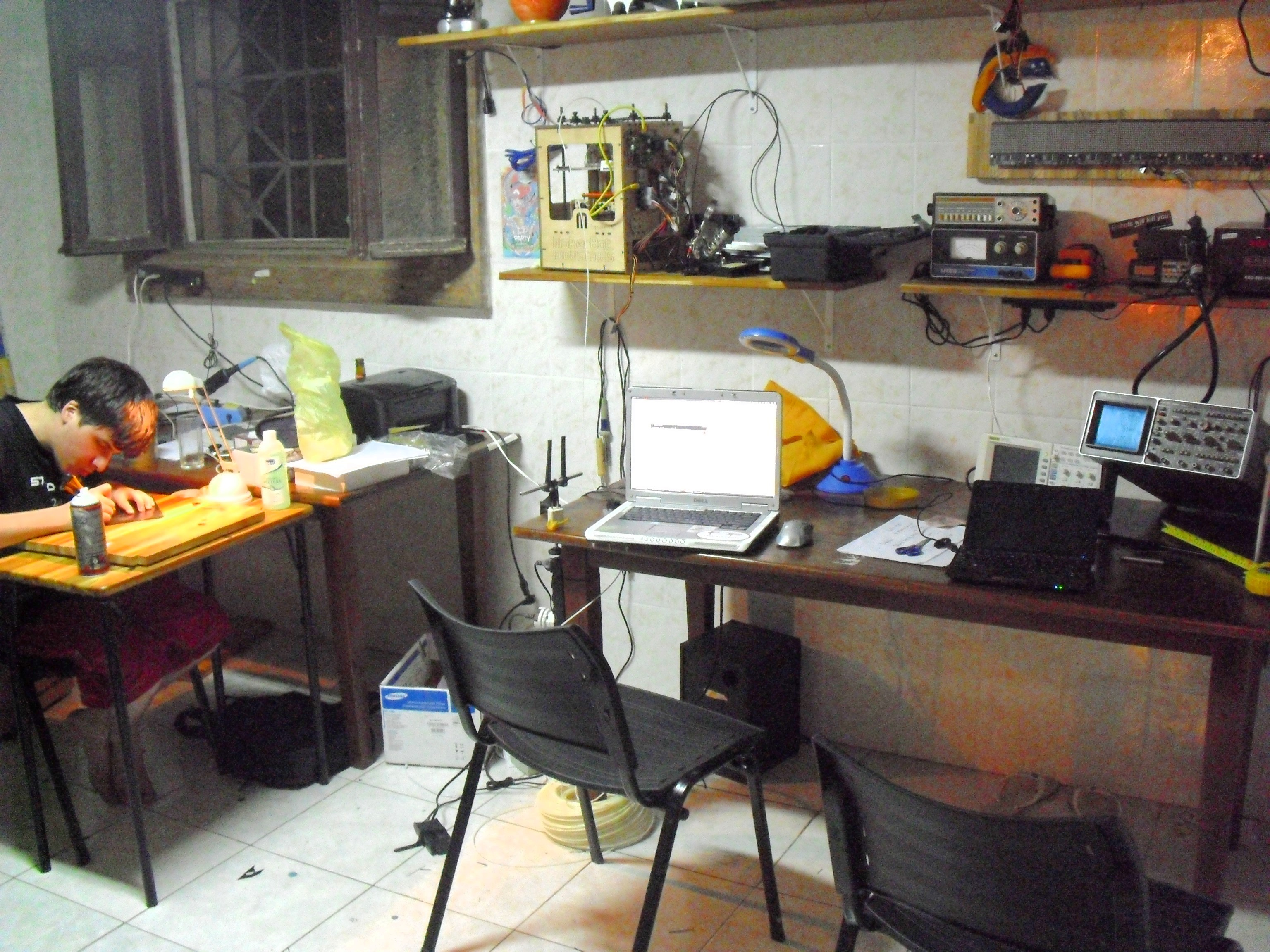 Ficheiro:Bancada Eletronica do Garoa Hacker Clube.JPG – Wikipédia  #AA7021 3072x2304