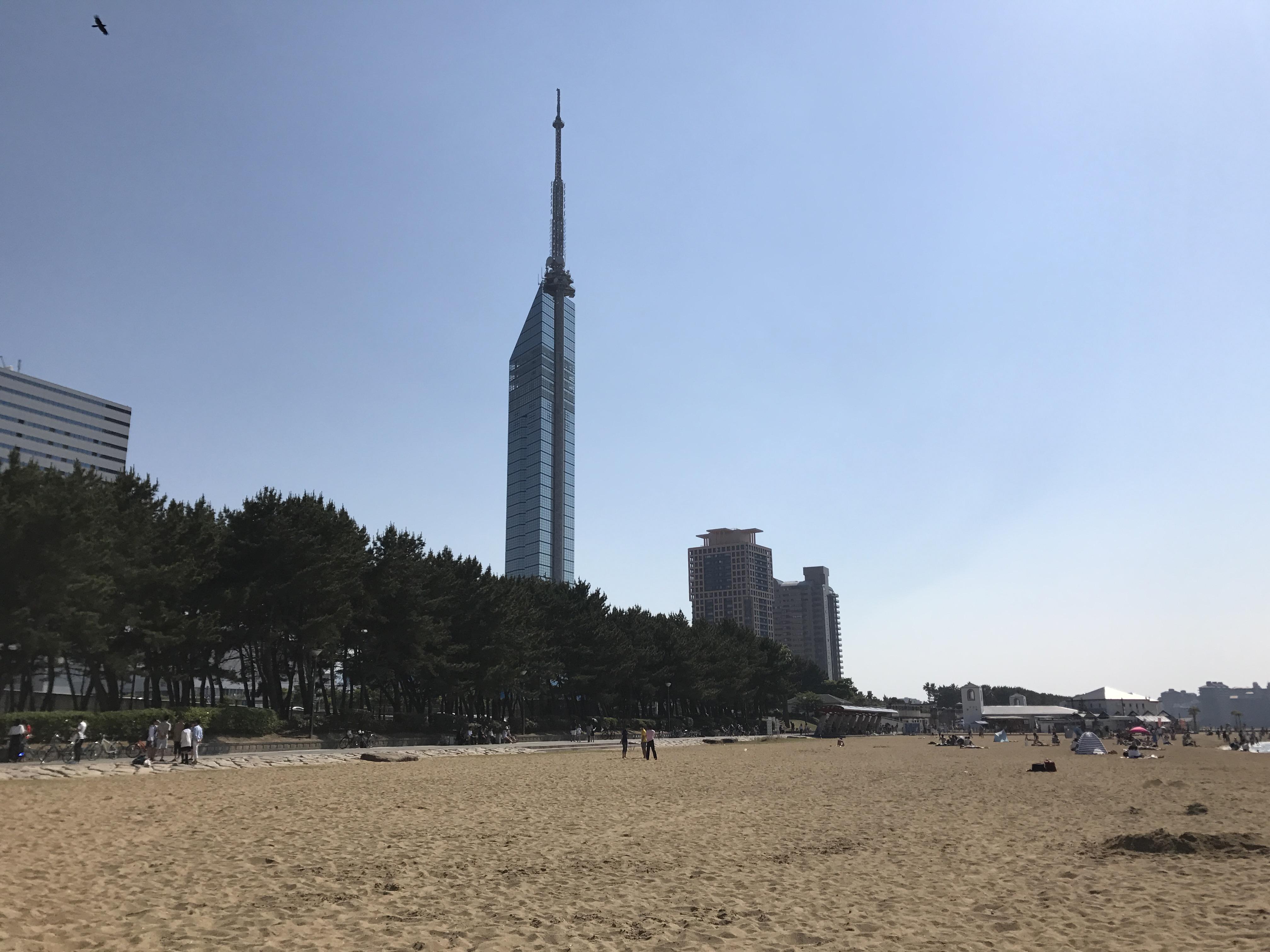 Beach of Seaside Momochi Seaside Park 3.jpg