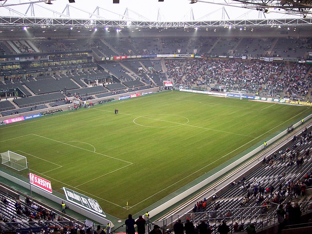 Borussia_Park_M%C3%B6nchengladbach.jpg