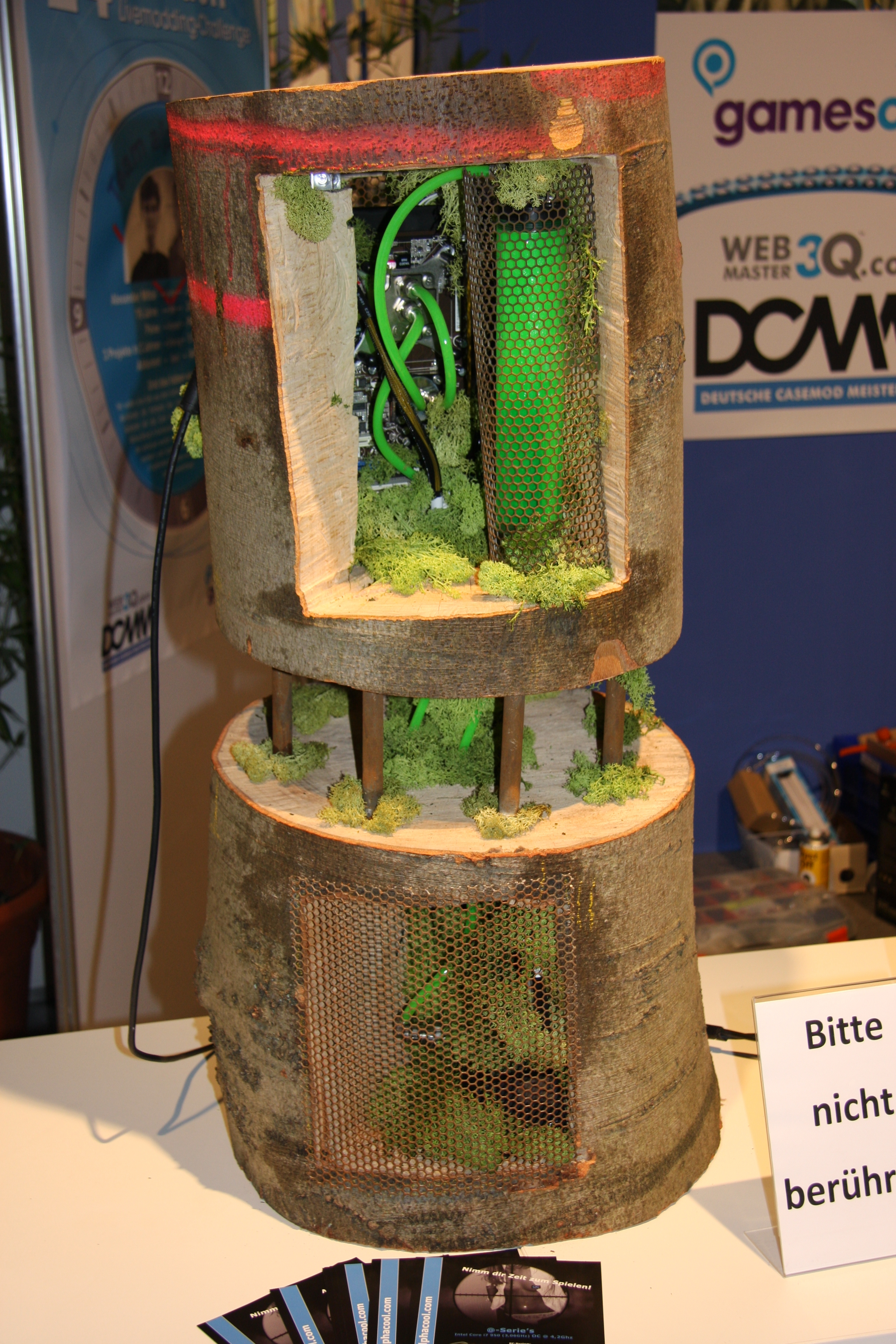 File:Case modding-PC case - gamescom 2009 PNr°0141.JPG ...