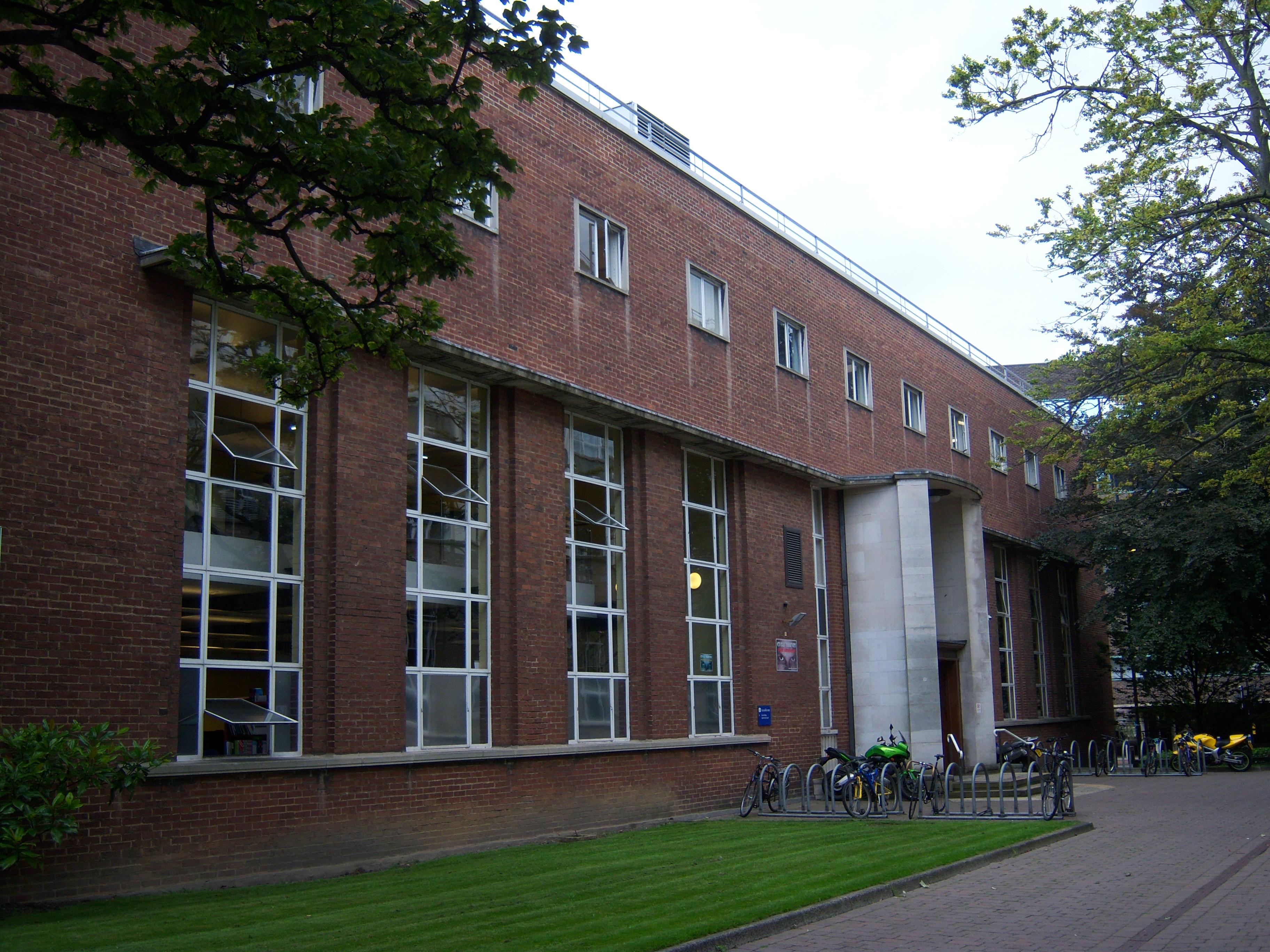 File:Cassie Building, Newcastle University, 5 September ...