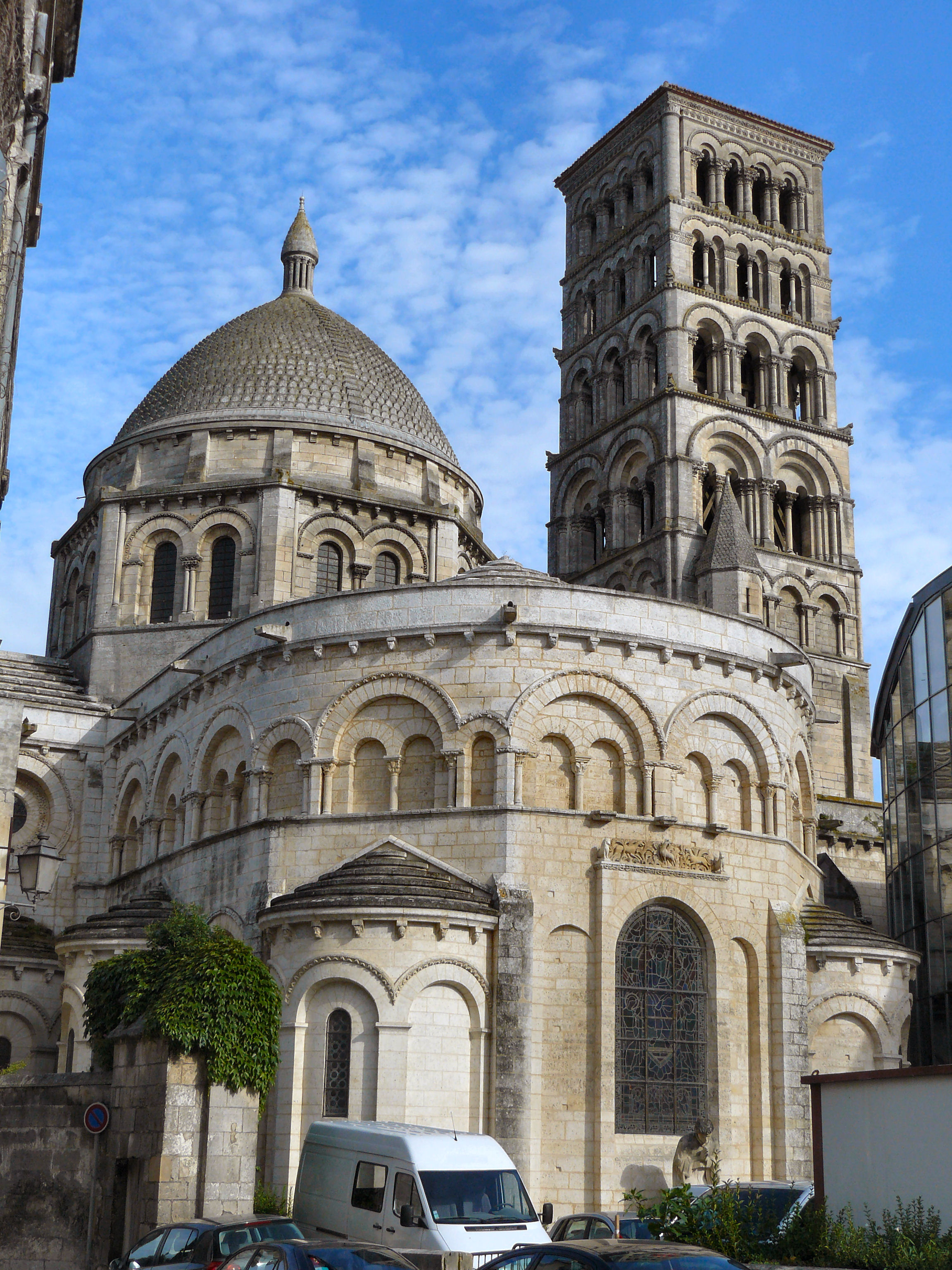 cathedral of saint pierre angoul me