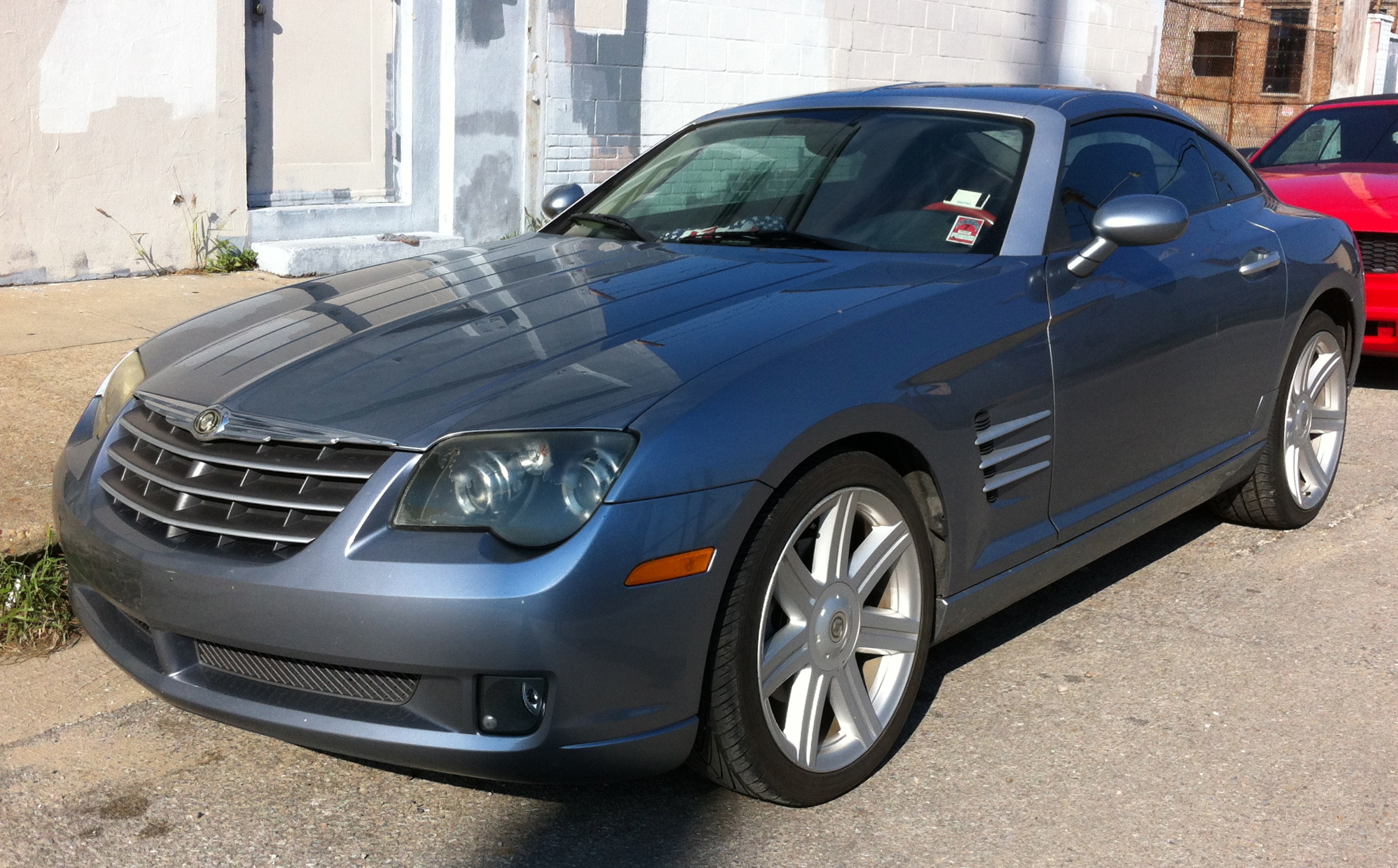 File:Chrysler Crossfire Fastback On Decatur Street In New Orleans    Front