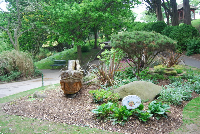 Dragon Garden, Peasholm Park - geograph.org.uk - 1899411