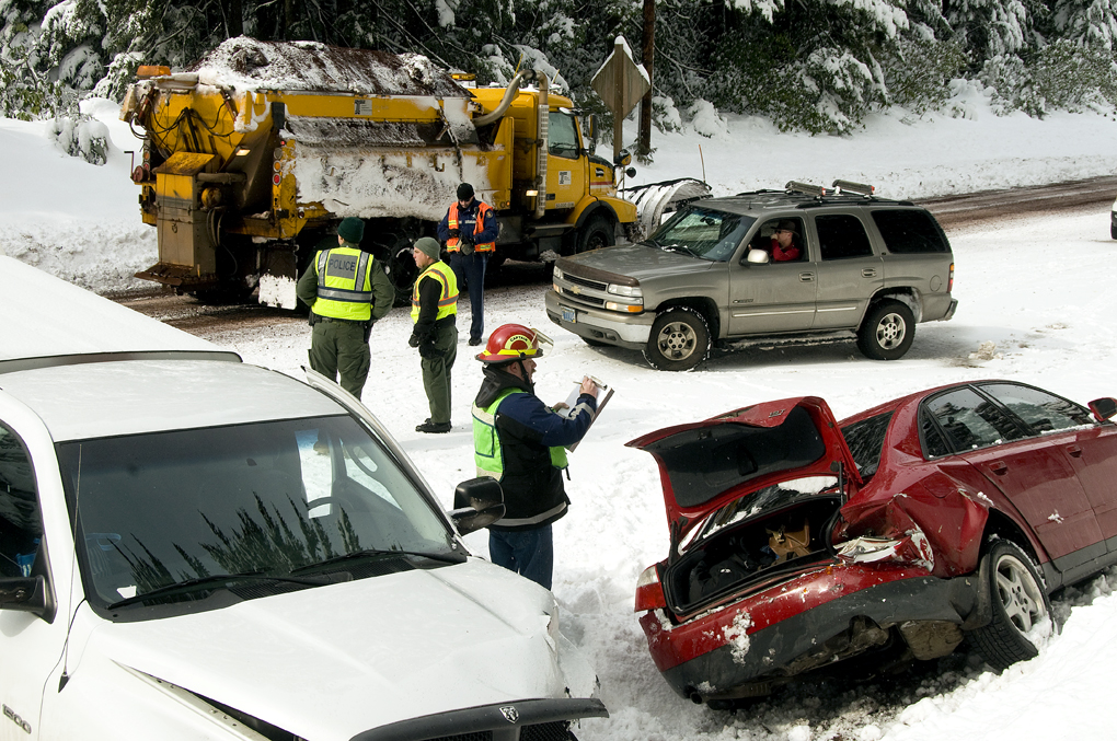 Feb. 24 crash Santiam Pass (5495544378).jpg