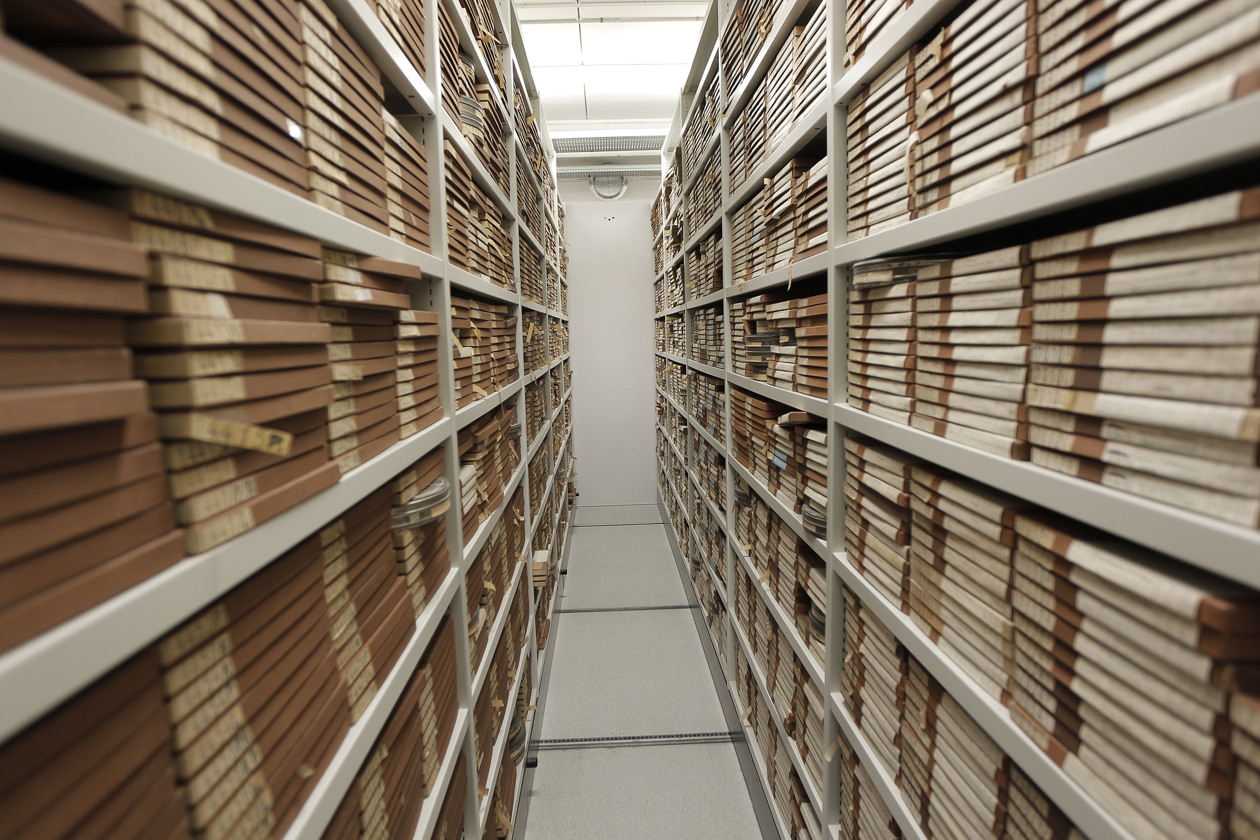 File:Film archive storage (6498619601).jpg - Wikimedia Commons