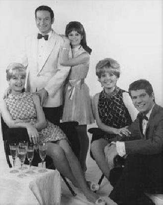 La familia Mores en 1968: de izquierda a derecha: Myrna Mores, Mariano Mores, Silvia Mores, Claudia Mores, Nito Mores.
