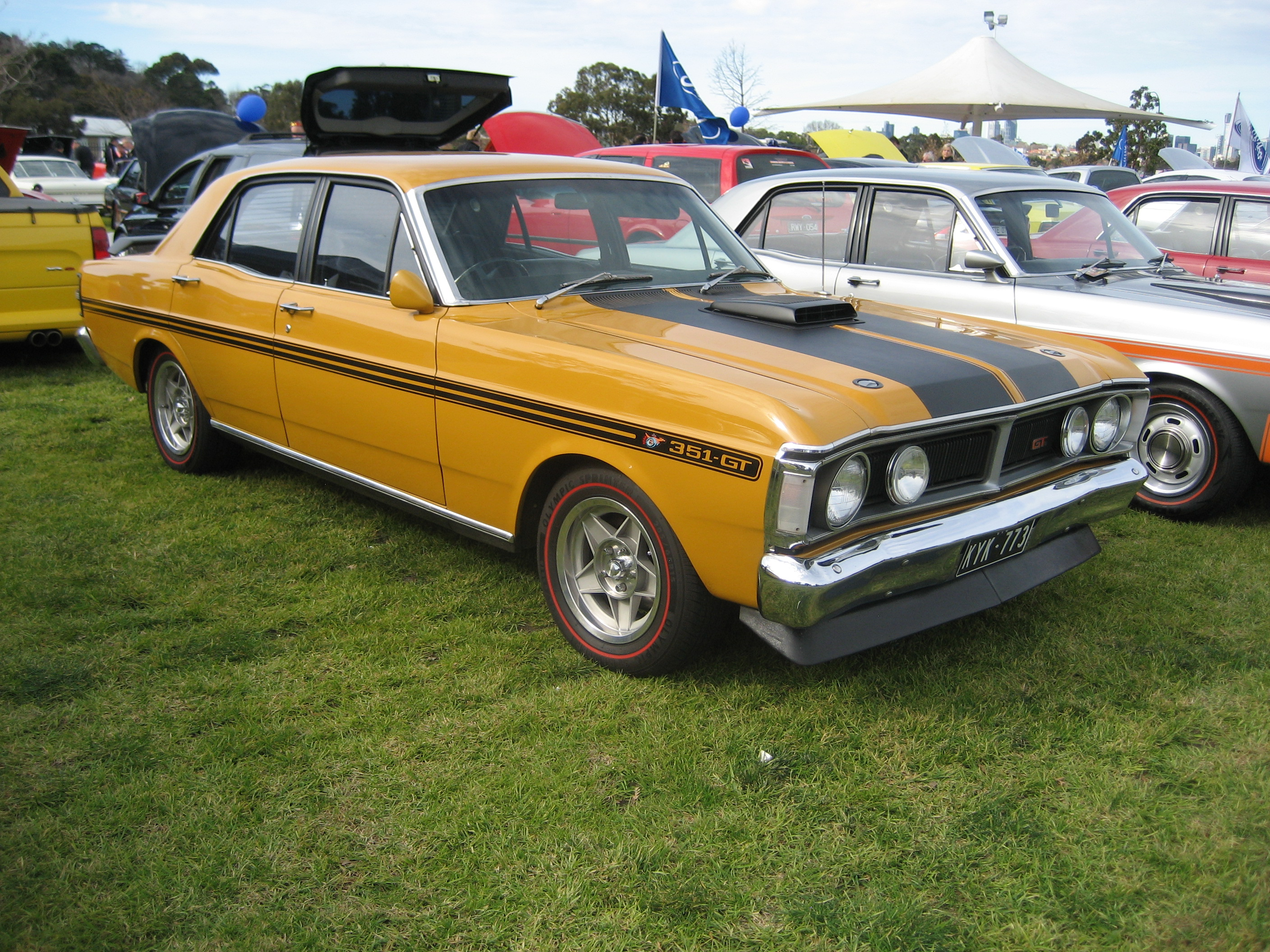 File Ford Falcon Xy Gt Yellow Orchre Jpg Wikimedia Commons