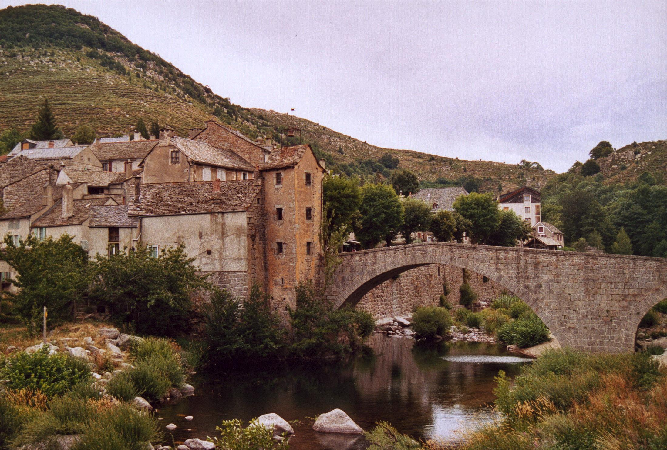 France_Lozere_Le_Pont-de-Montvert_02.jpg