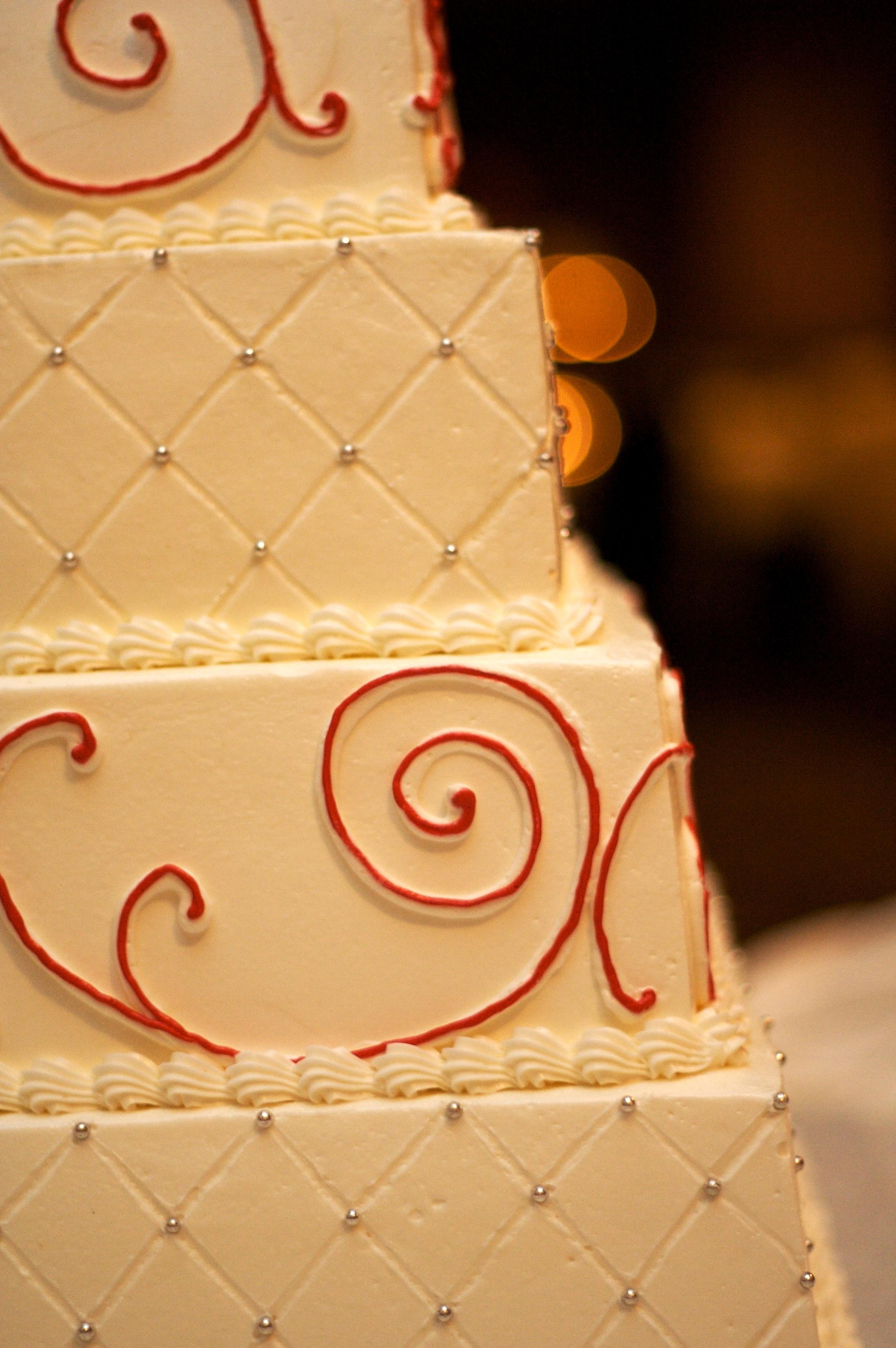 File:Have Your Cake - wedding cake with red swirls.jpg - Wikimedia ...