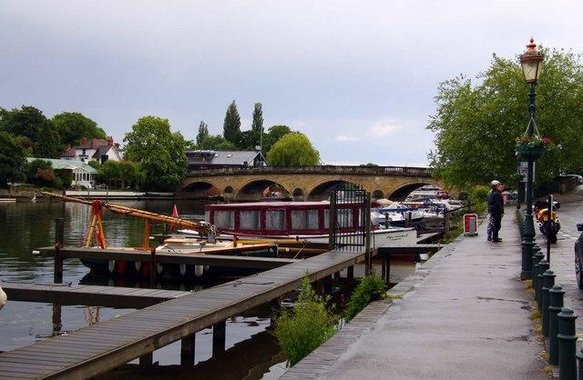 Henley Bridge - geograph.org.uk - 1345509