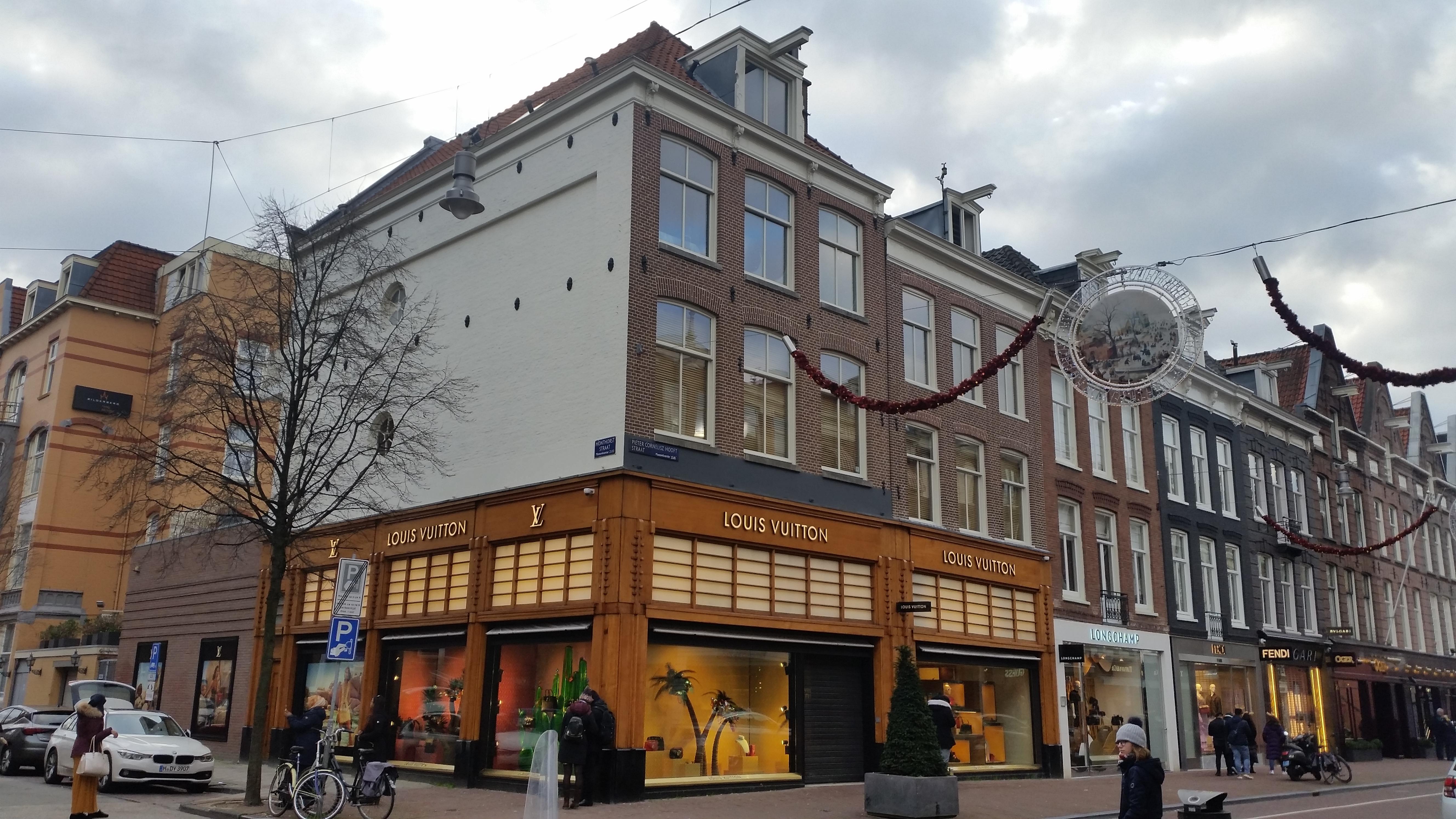 98bfd2688be Bestand:Honthorststraat 2, PC Hooftstraat 67.jpg - Wikipedia