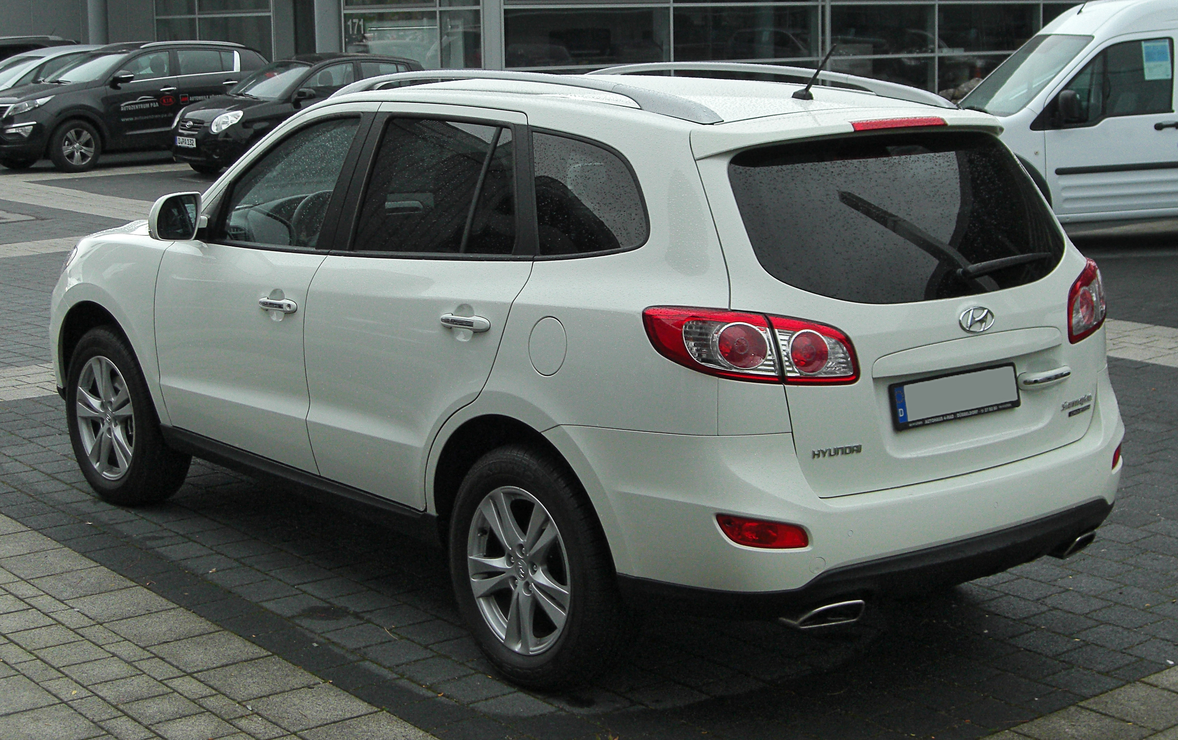 File:Hyundai Sante Fe II Facelift Rear 20101030
