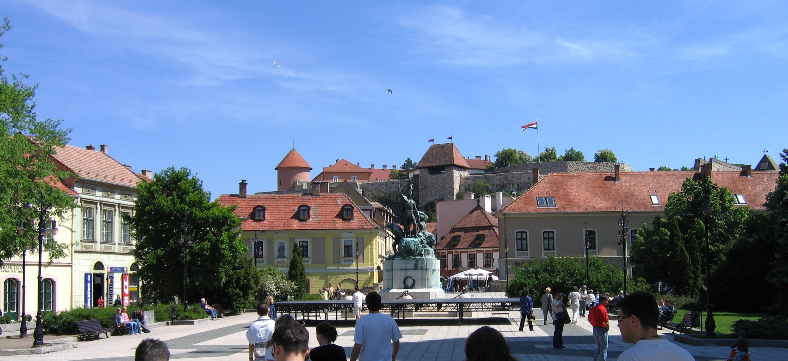 Eger Hungary  city photos : IMG 0449 Hungary, Eger Dobó Square Wikimedia Commons