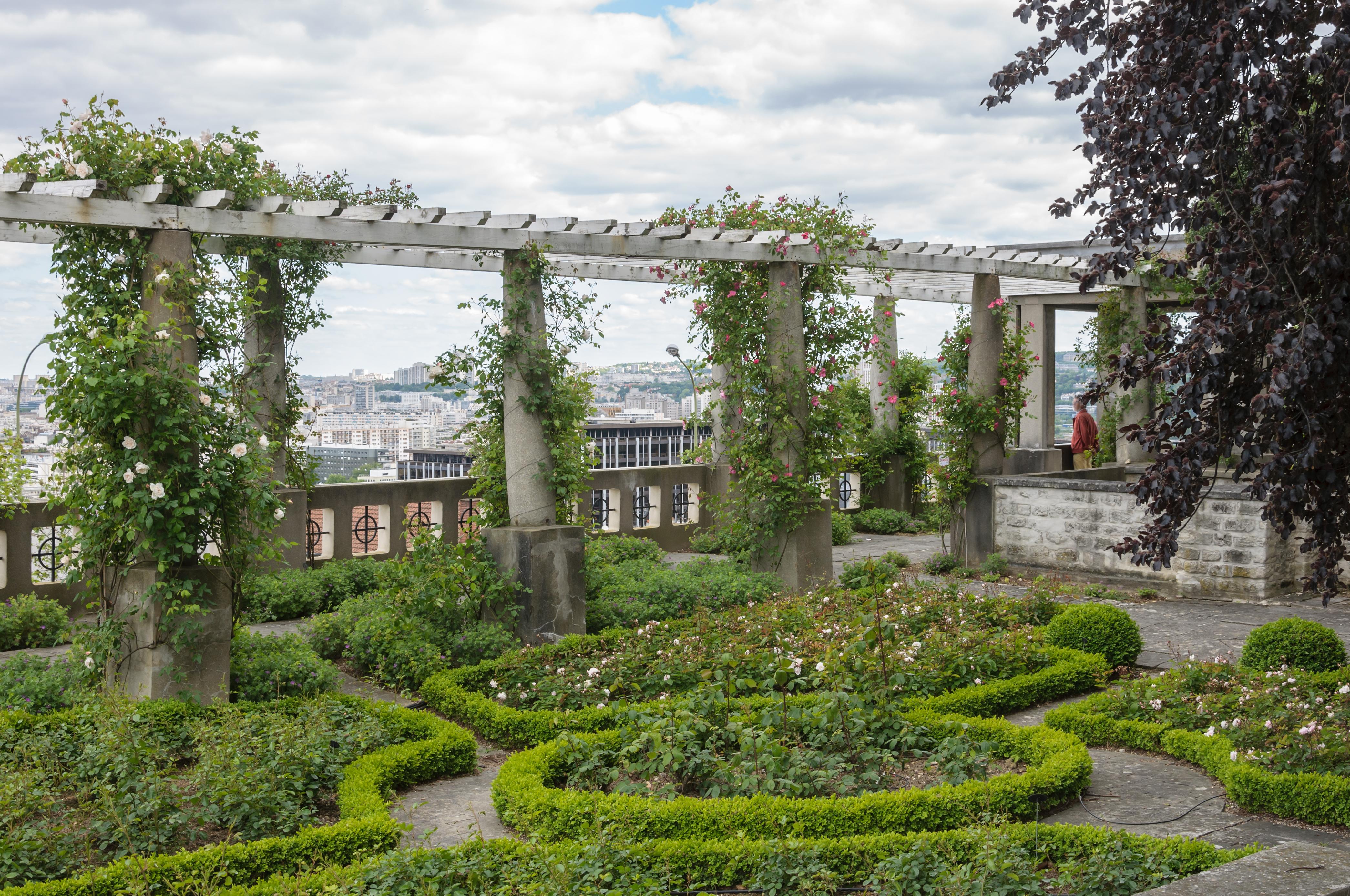 File jardin stern jcn forestier saint wikimedia commons for Jardin porte de saint cloud