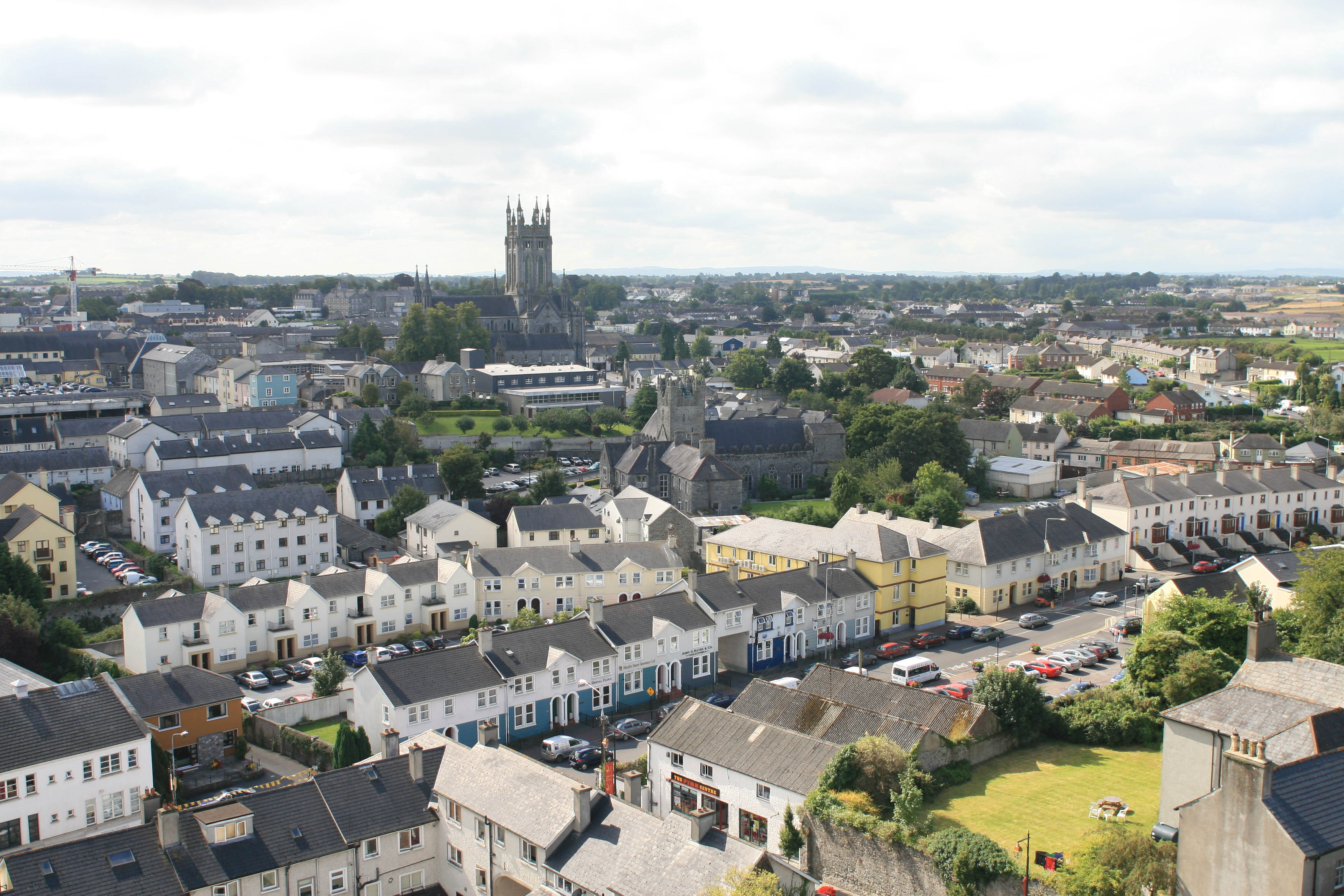 File:Kilkenny View from Round Tower to St Mary Cathedral 2007 08 28.jpg - Wikimedia Commons