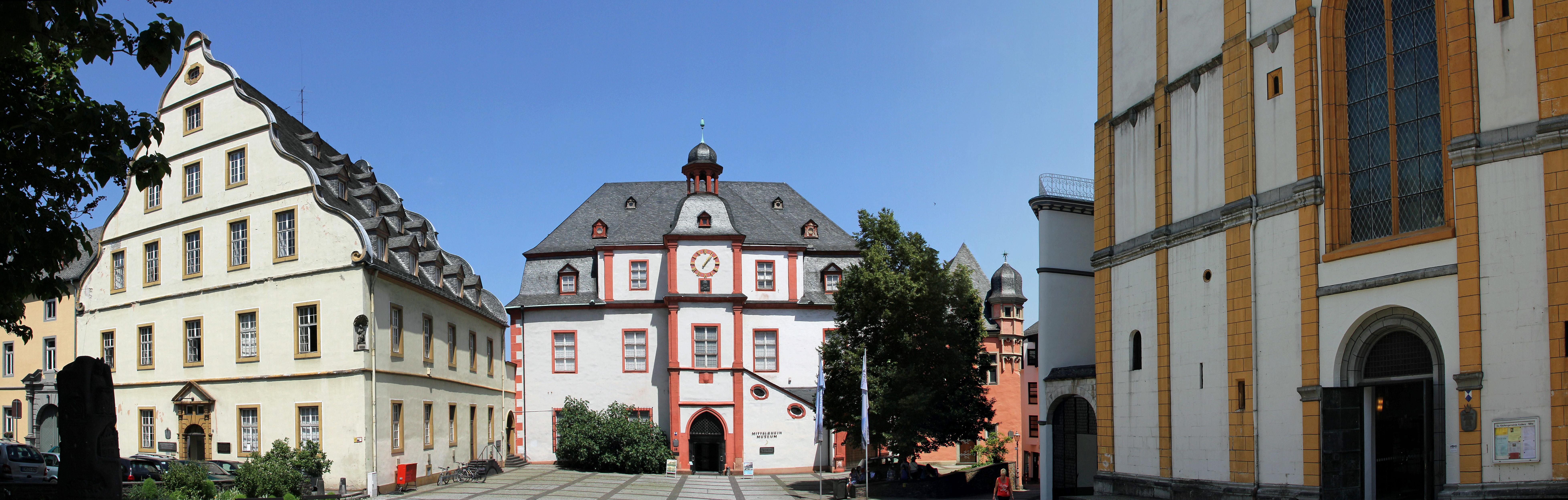 File:Koblenz im Buga-Jahr 2011 - Panorama Florinsmarkt.jpg - Wikimedia Commons