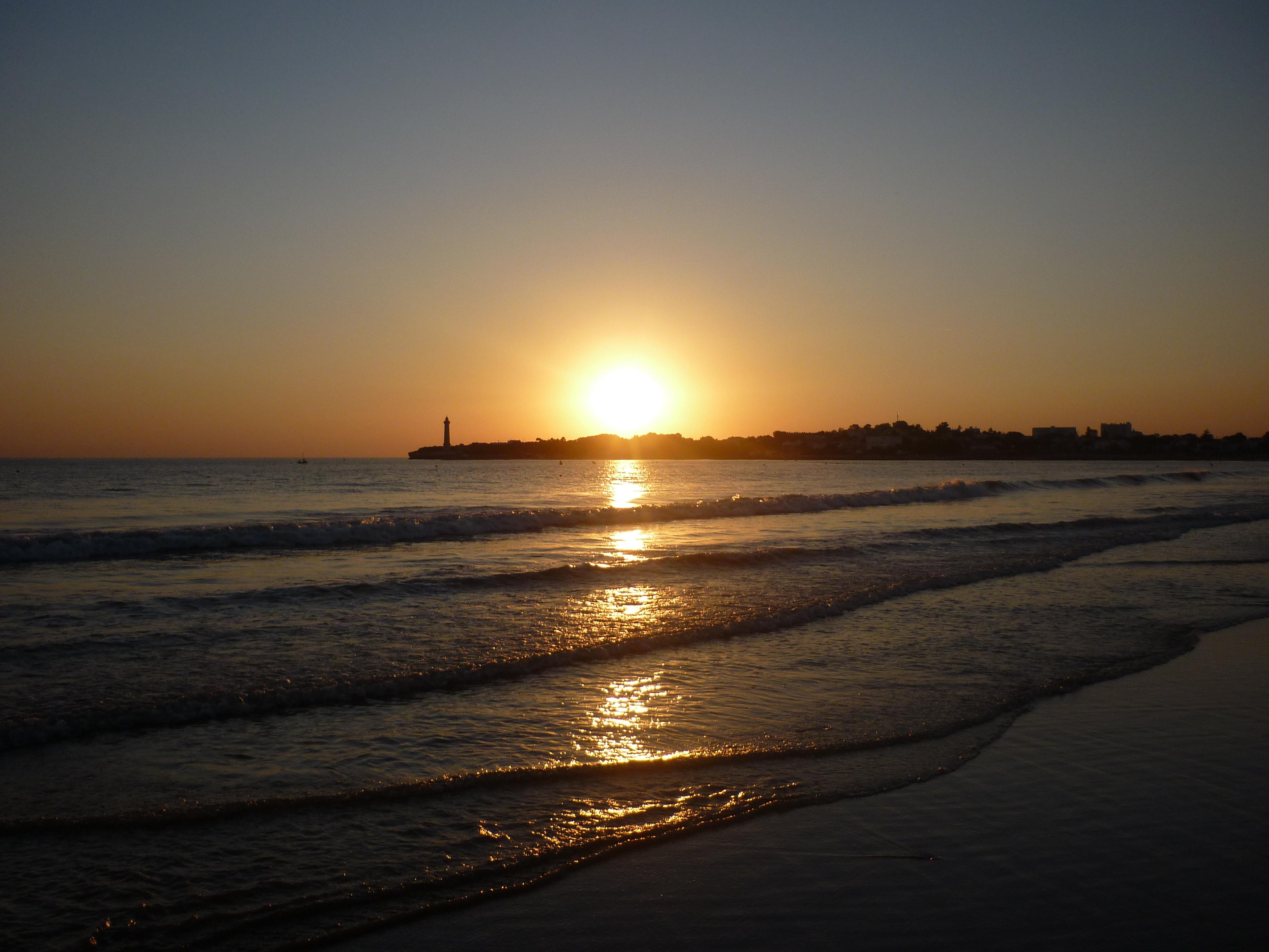 FileLa plage de SaintGeorgesdeDidonneJPG  Wikimedia  ~ Bois Soleil Saint Georges De Didonne